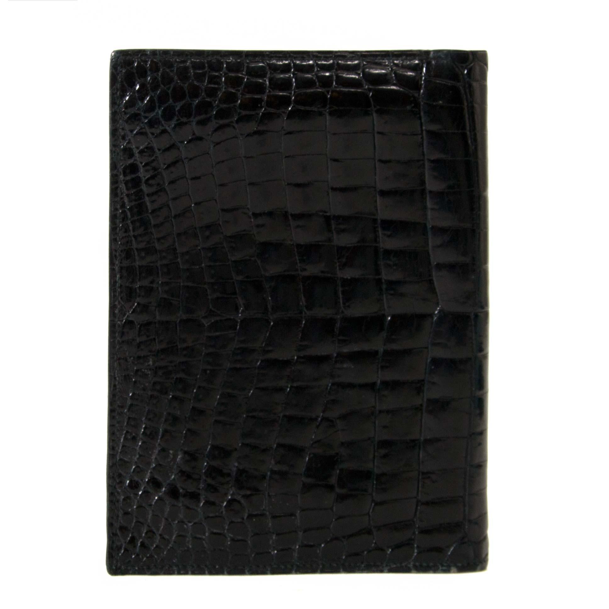Hermès Black Vintage Crocodille Passport Holder labellov vintage fashion webshop belgium