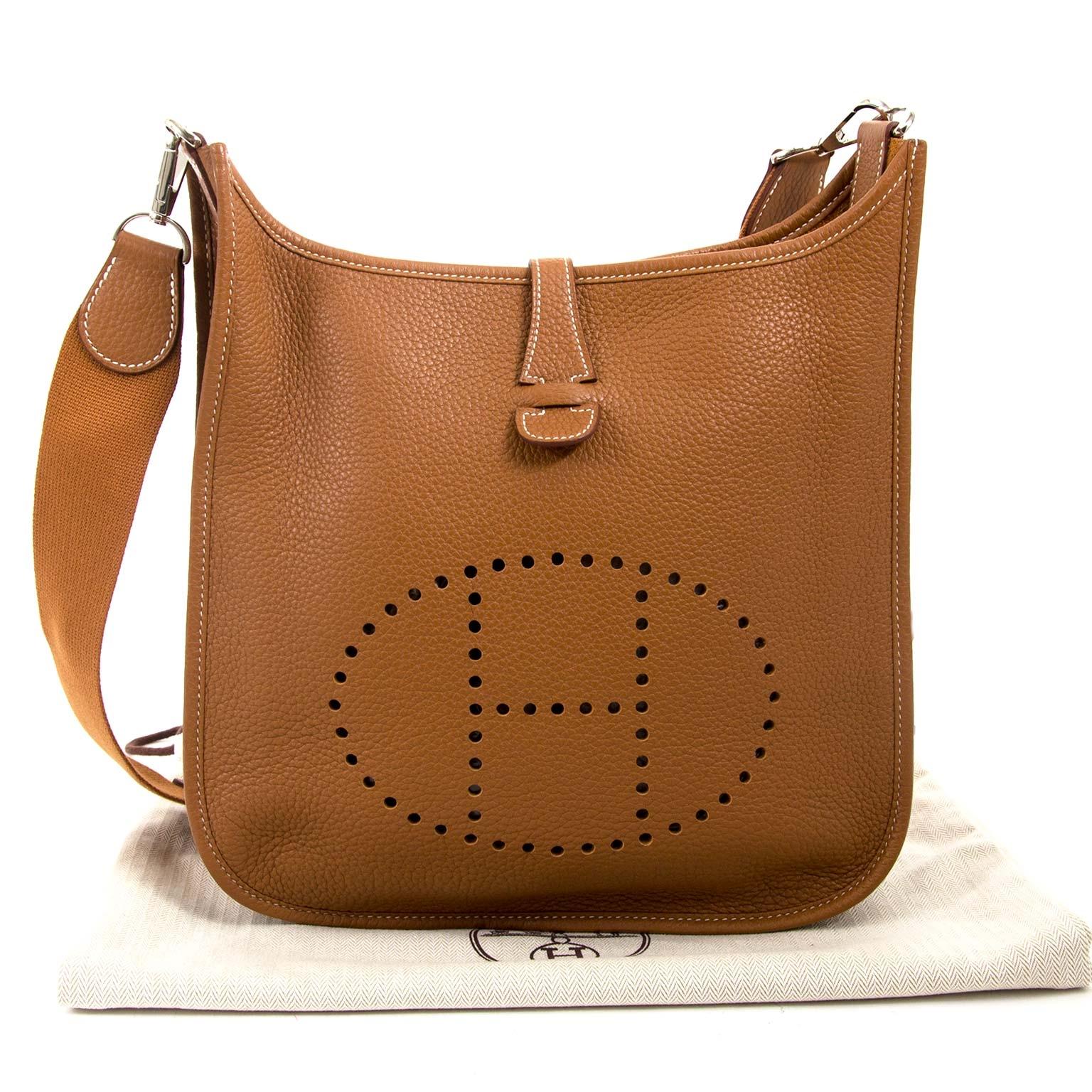 28785cf3df0 ... koop jou tweedehands Hermes Gold Evelyne III PM Messenger Bag online