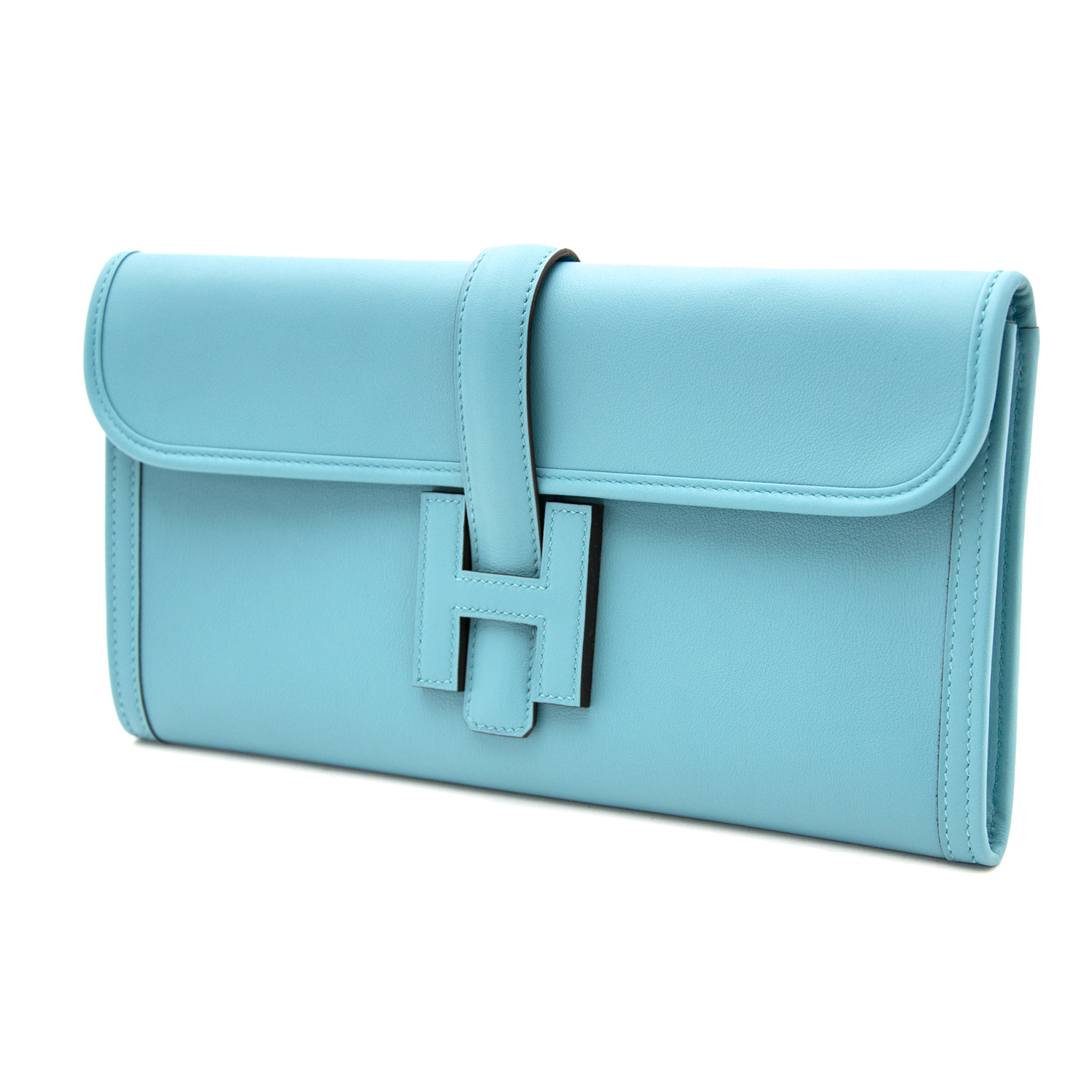 Hermes Jige Elan Saint-Cyr Blue clutch now online at labellov.com. Buy and sell your designer handbags for the best price
