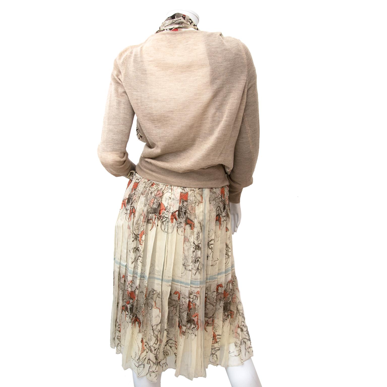 Hermes setje rok en bloes nu te koop bij labellov.com tegen de beste prijs