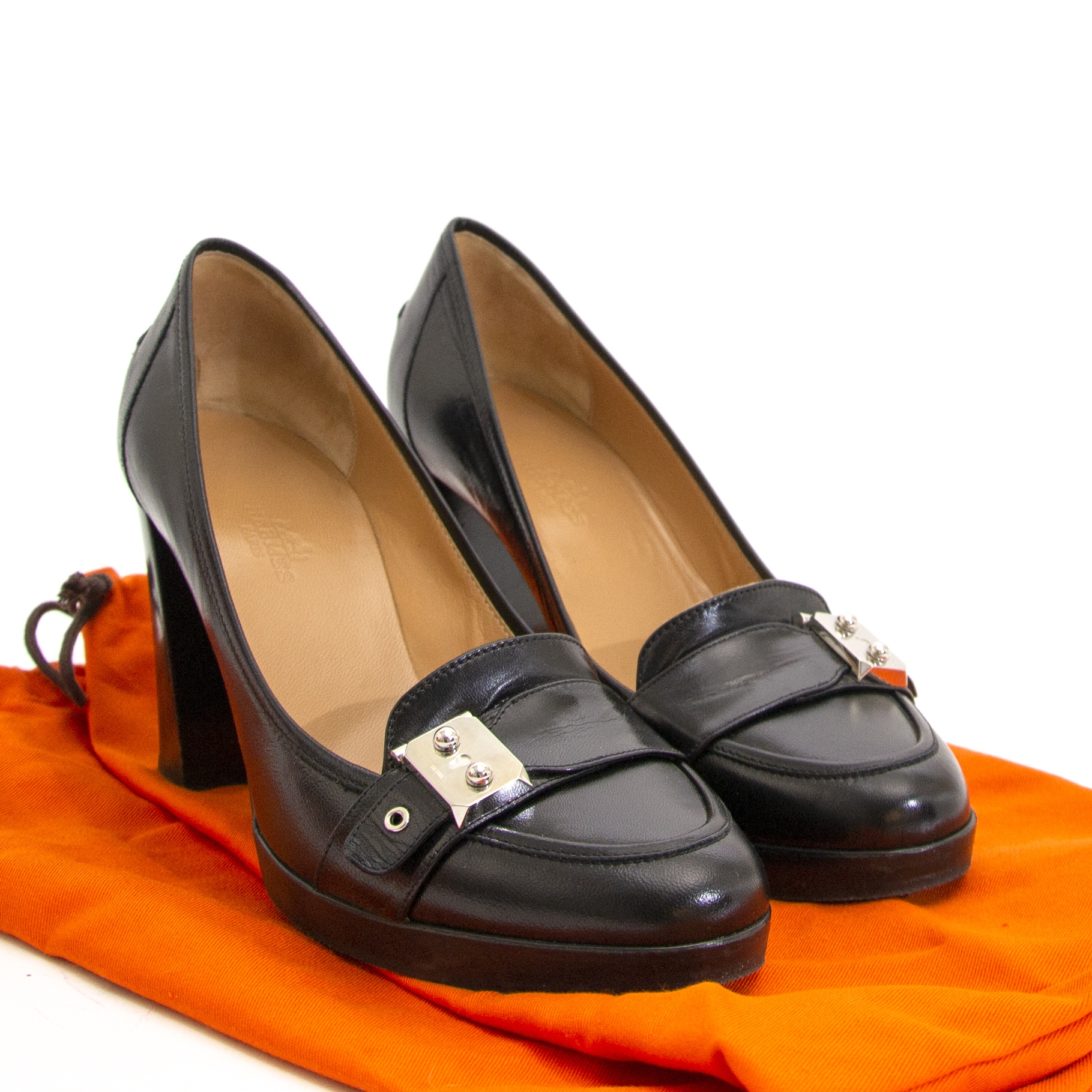 Hermes Black Leather Heeled Loafers - Size 38.5 now for sale at labellov vintage fashion webshop belgium