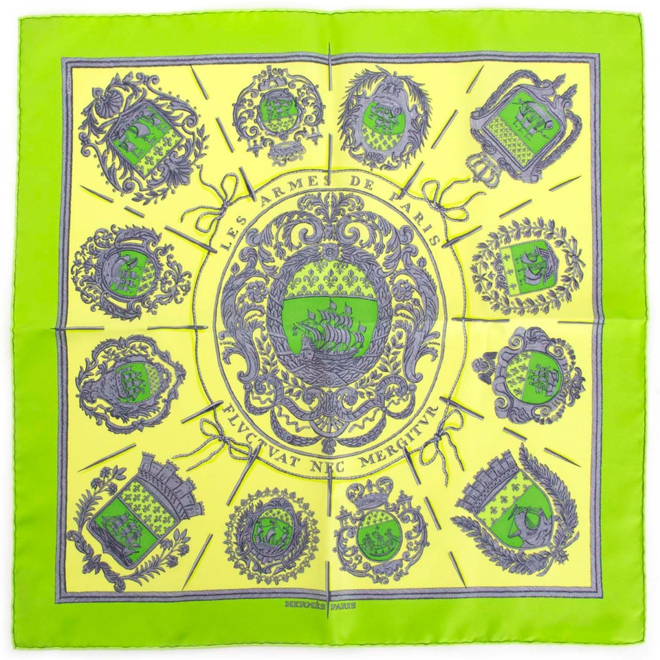 Buy Hermès Silk Scarf at the right price at LabelLOV vintage webshop. Luxe, vintage, fashion. Safe and secure online shopping. Antwerp, Belgium.