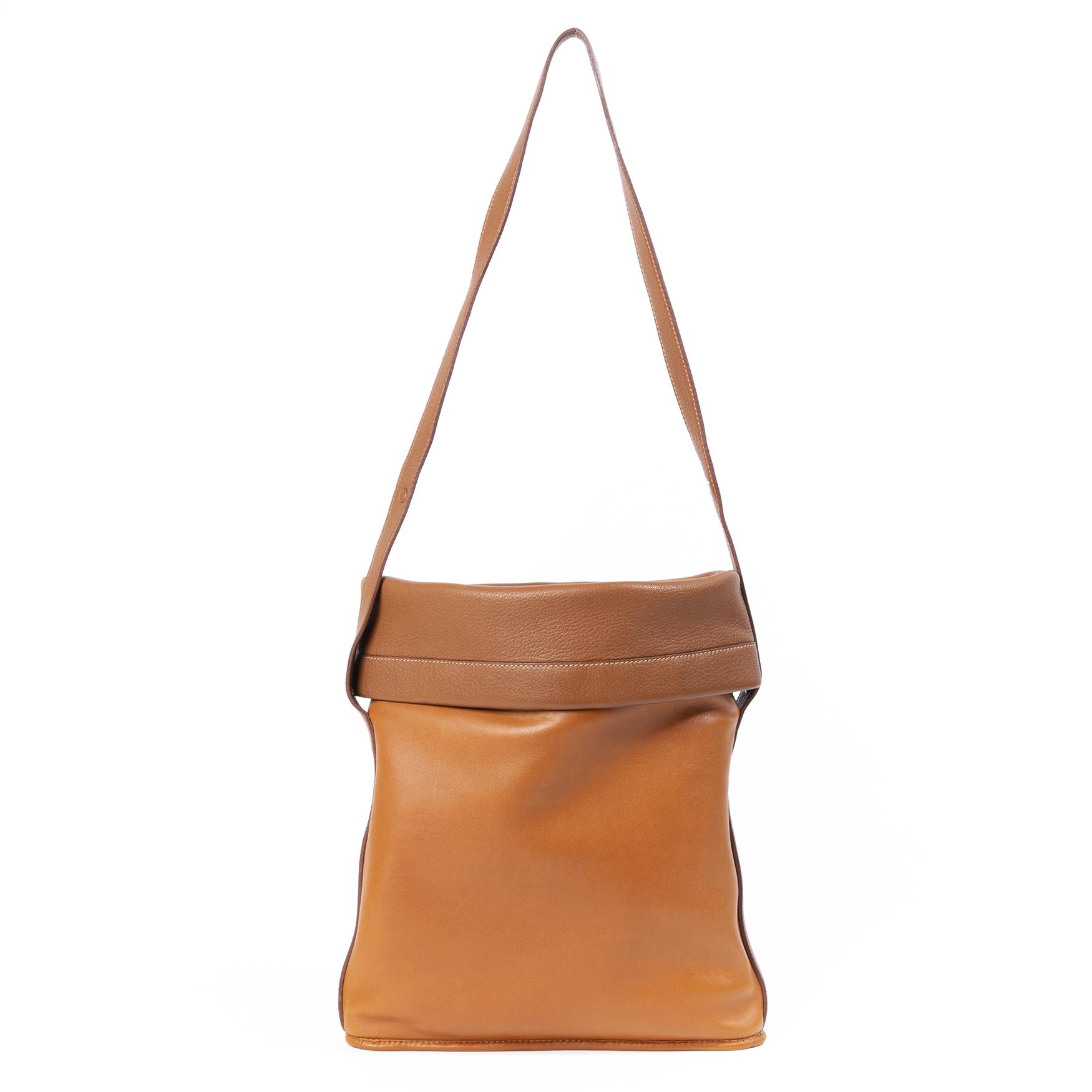 Hermès gold havre shoulder bag now for sale at labellov vintage fashion webshop belgium