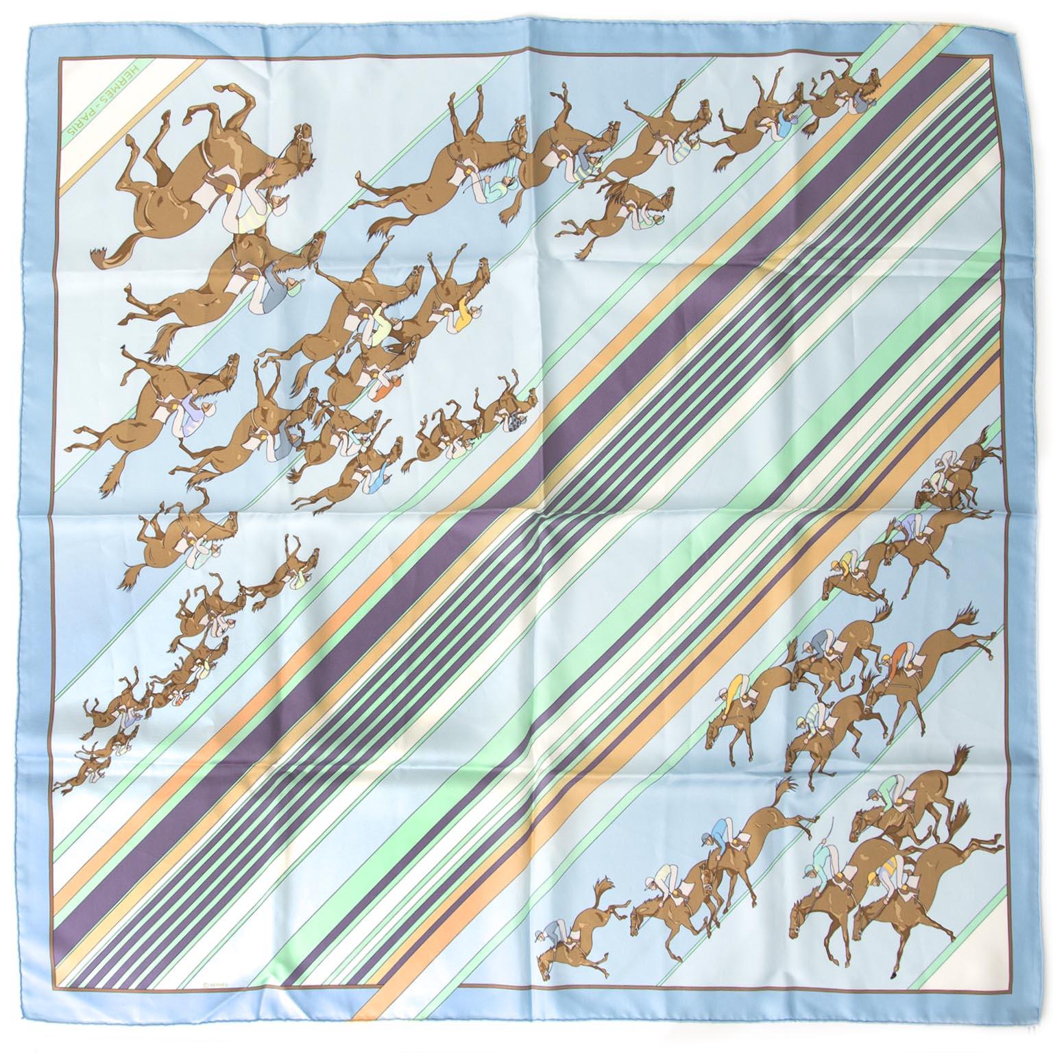 Authentieke Hermès sjaal voor de juiste prijs bij LabelLOV vintage webshop. Veilig online winkelen. Luxe, vintage, mode. Antwerpen, België.
