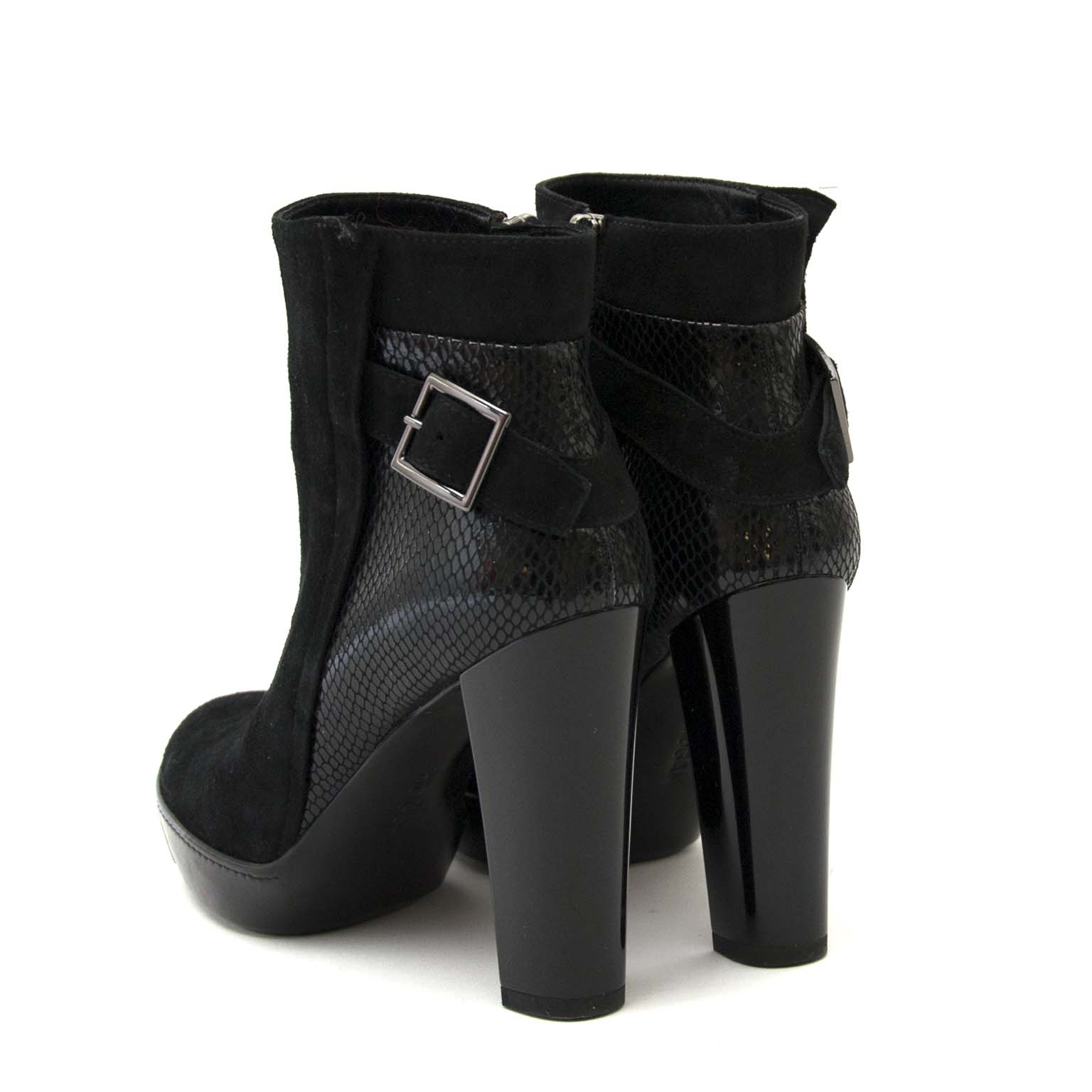 hogan black suede ankle boots now for sale at labellov vintage fashion webshop belgium
