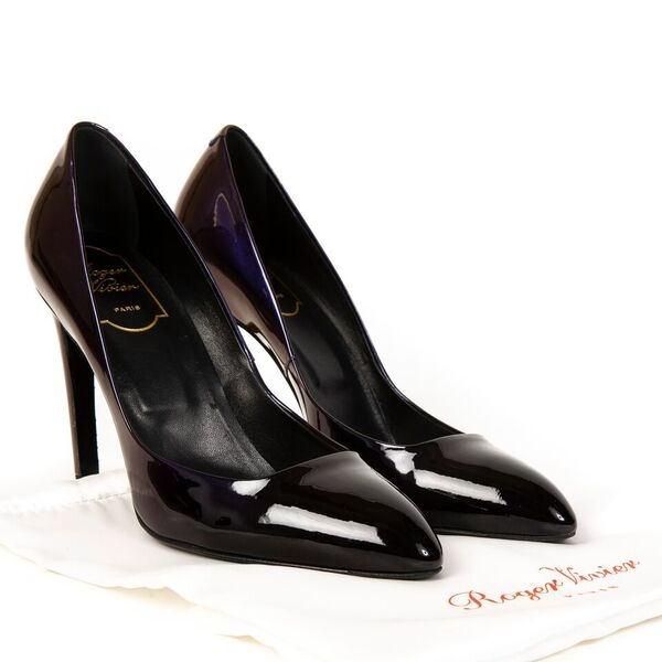 Buy second hand Roger Vivier heels at the right price at LabelLOV vintage webshop.