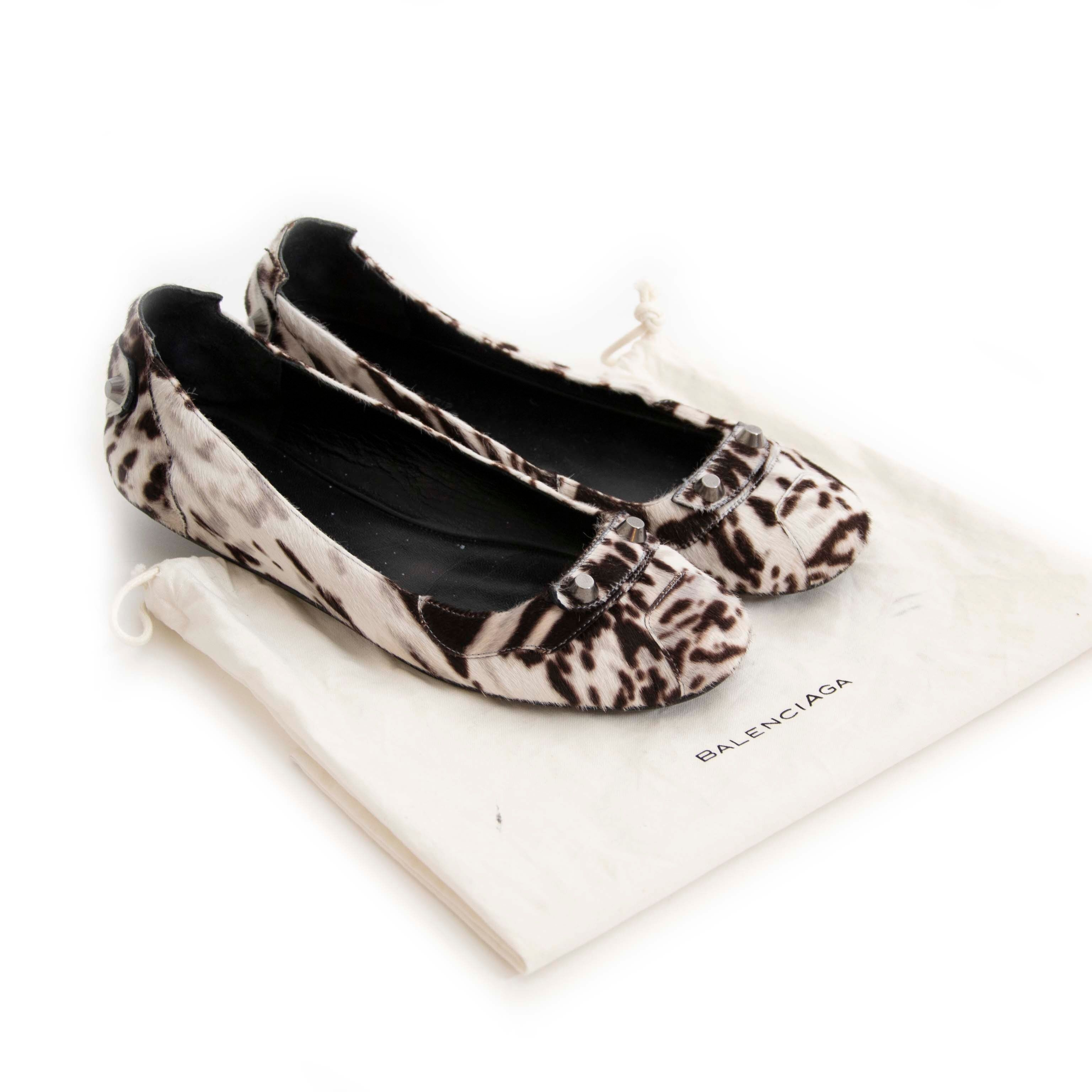 Buy secondhand Balenciaga shoes at Labellov.