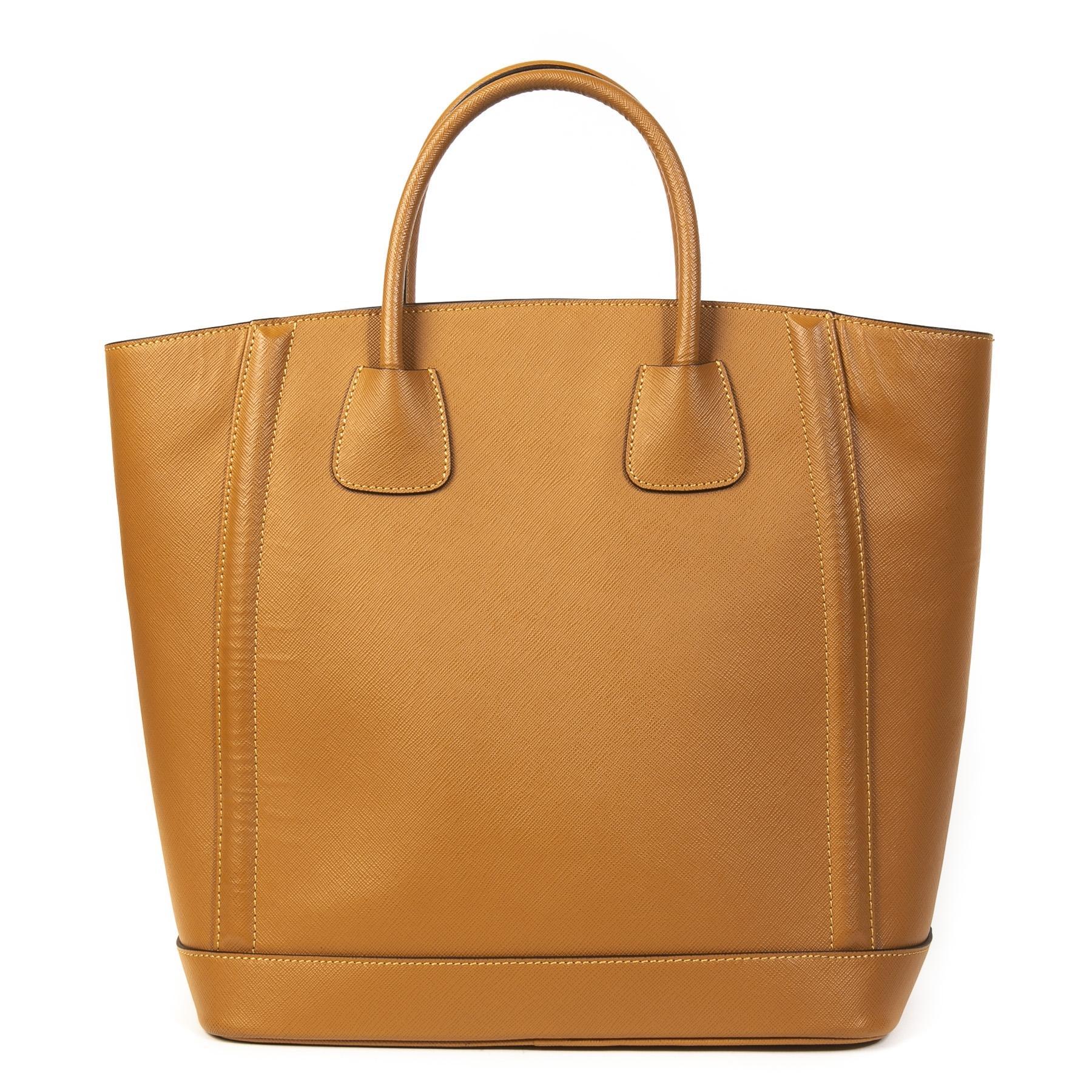 Authentieke Tweedehands Prada Cognac Leather Top Handle Tote Bag juiste prijs veilig online shoppen luxe merken webshop winkelen Antwerpen België mode fashion