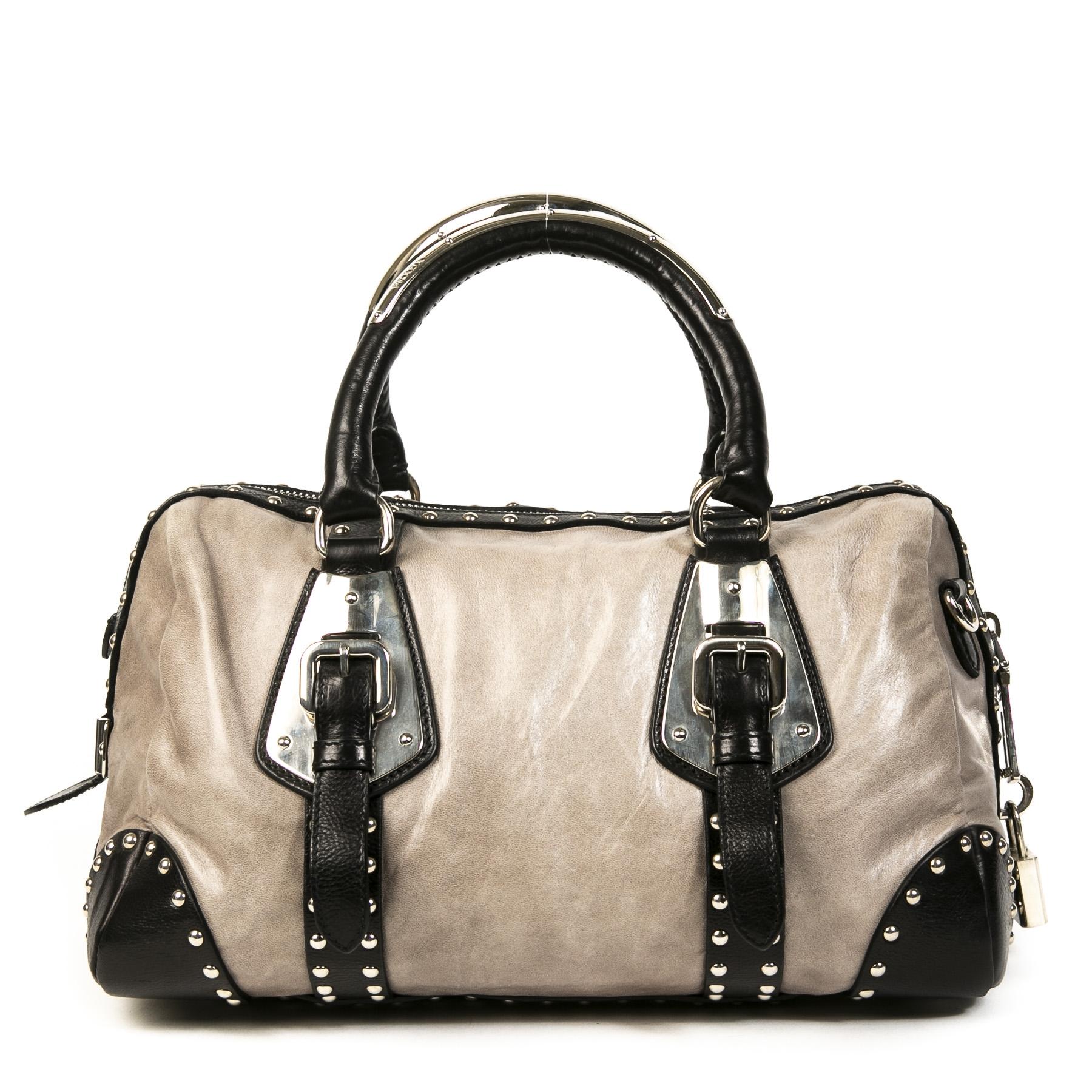 Authentieke Tweedehands Prada Grey Leather Studded Top Handle Bag juiste prijs veilig online shoppen luxe merken webshop winkelen Antwerpen België mode fashion