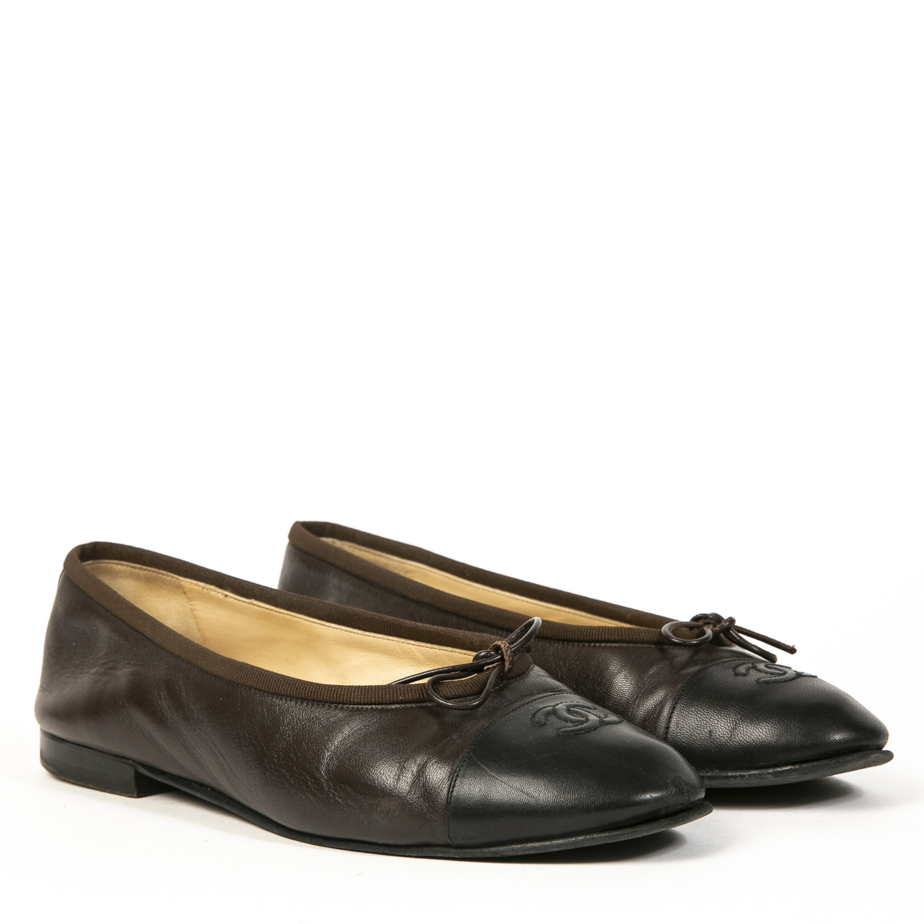 Authentieke tweedehands vintage Chanel Brown Bow Ballet Flats koop online webshop LabelLOV