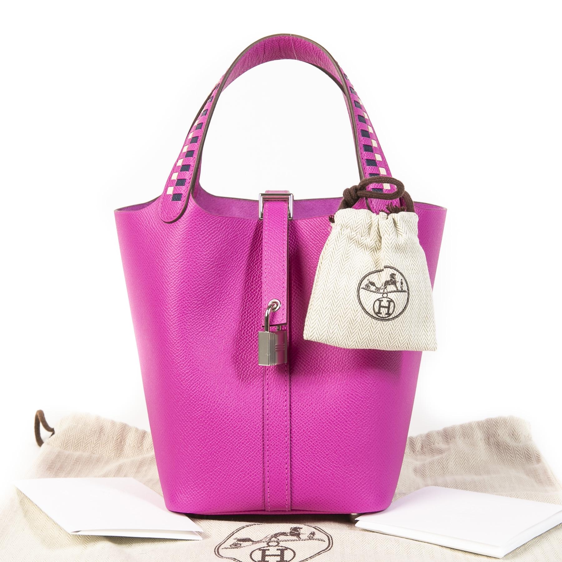 Koop uw authentieke designer Hermès Picotin Lock 18 Epsom Magnolia Saphir Craie