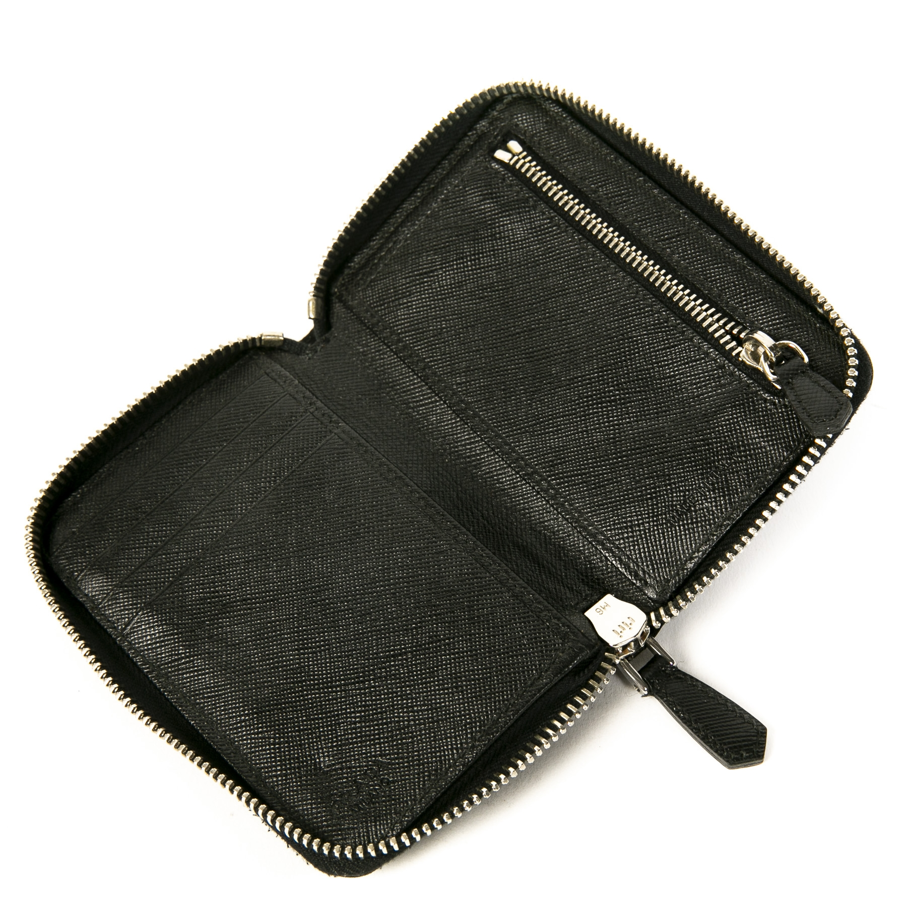 Authentieke tweedehands vintage Prada Black Leather Nylon Wallet bij online webshop LabelLOV