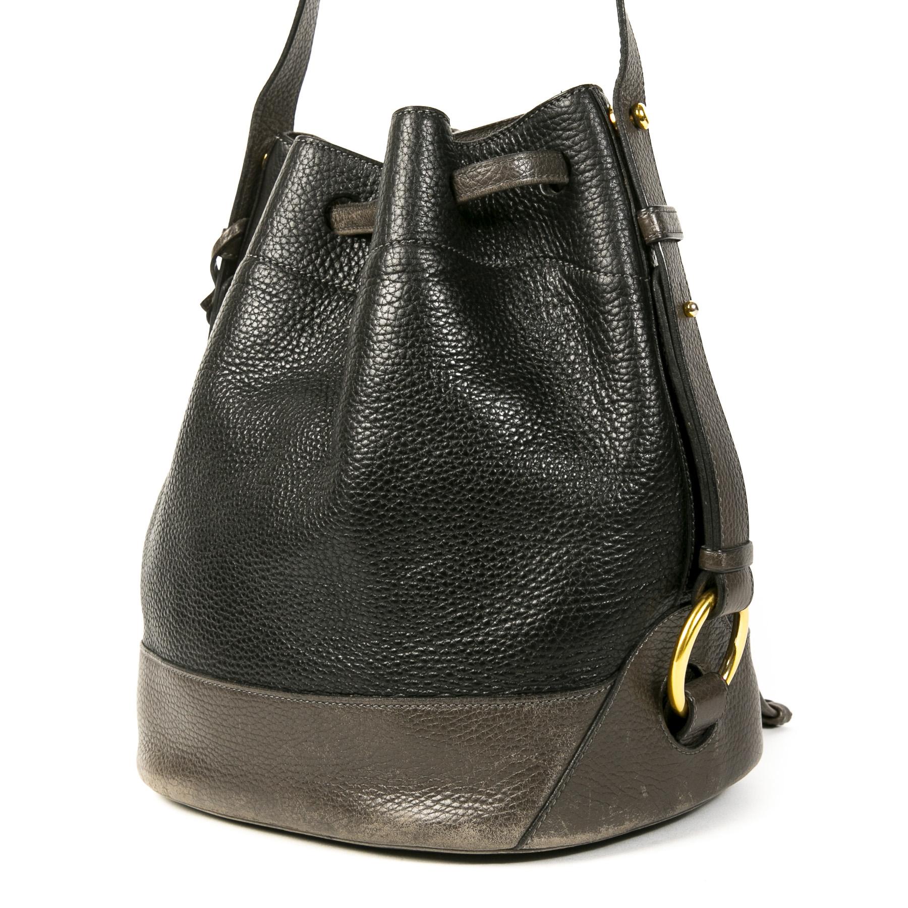 Authentieke Tweedehands Delvaux Black & Grey Leather Drawstring Bucket Bag juiste prijs veilig online shoppen luxe merken webshop winkelen Antwerpen België mode fashion