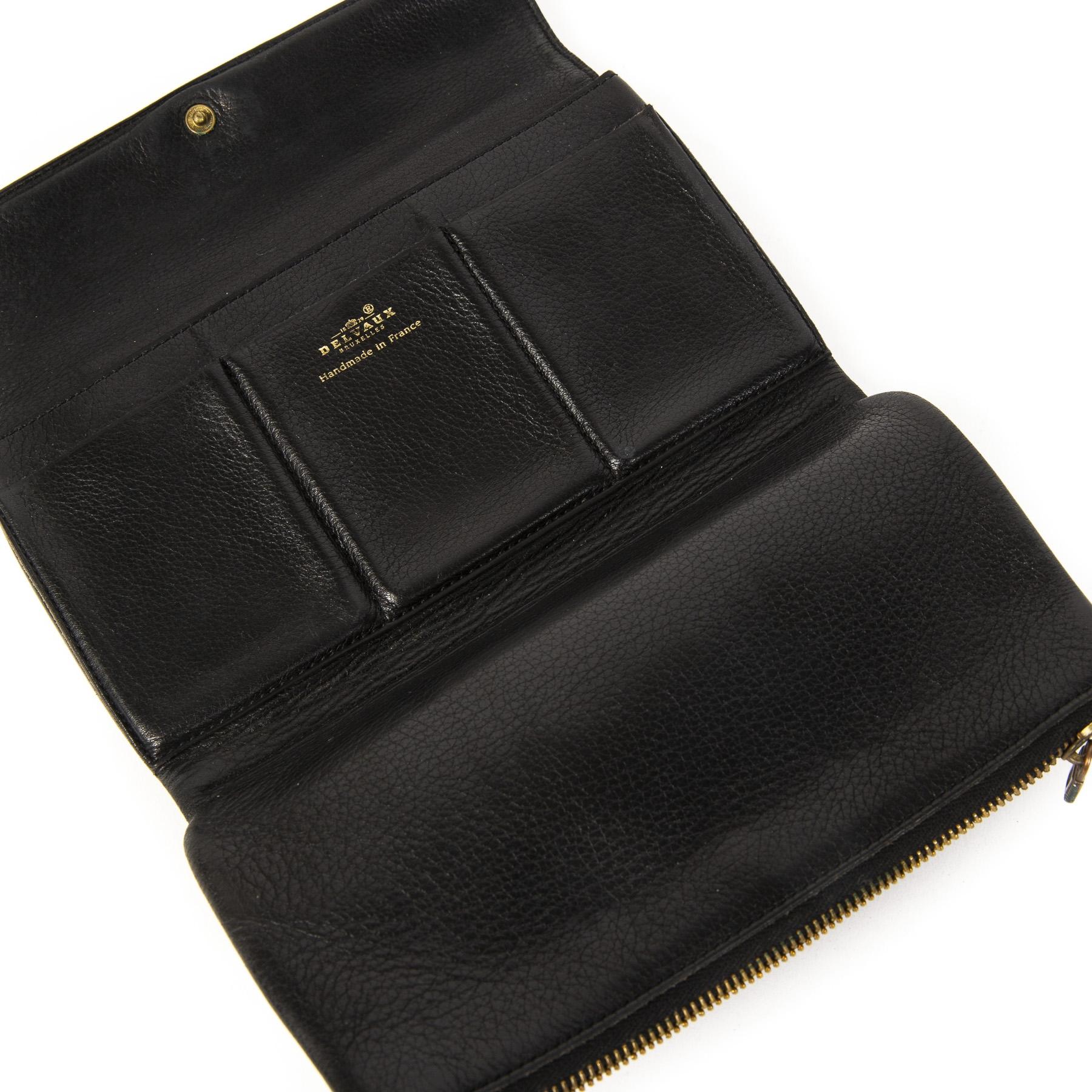 Authentieke tweedehands Delvaux Black Leather Wallet Silver D Logo juiste prijs veilig online winkelen LabelLOV webshop luxe merken winkelen Antwerpen België mode fashion