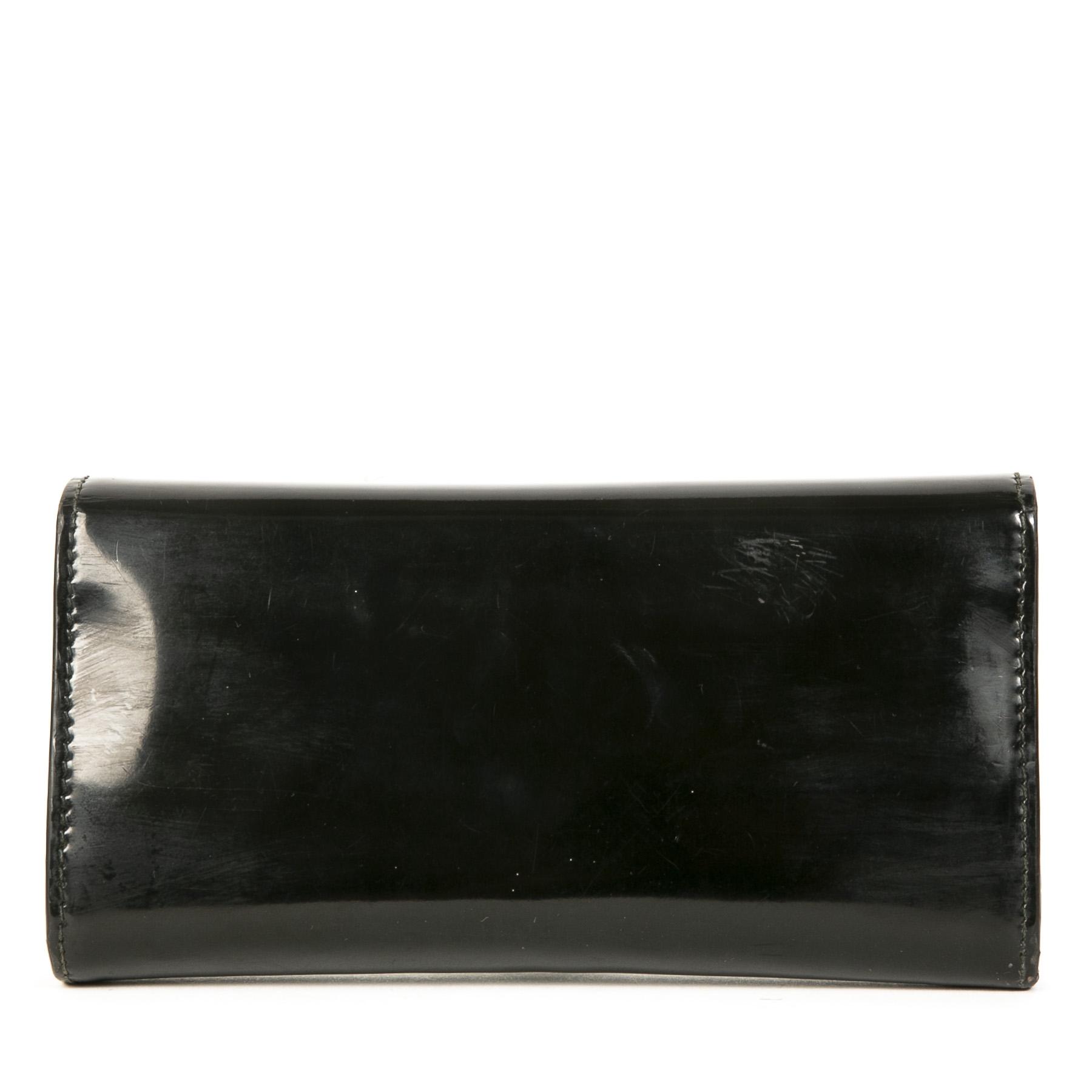 Authentieke Tweedehands Gucci Black Patent Leather GG Wallet juiste prijs veilig online shoppen luxe merken webshop winkelen Antwerpen België