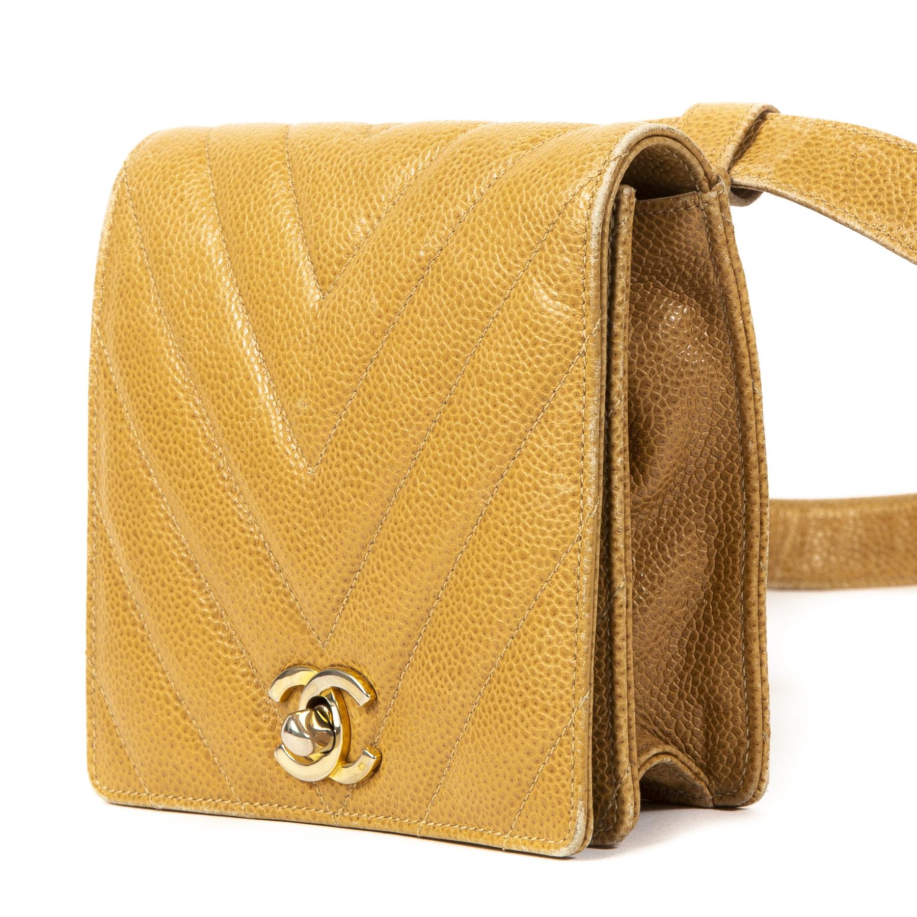 Authentieke Tweedehands Chanel Cognac Leather Square Belt Bag juiste prijs veilig online shoppen webshop luxe merken winkelen Antwerpen België