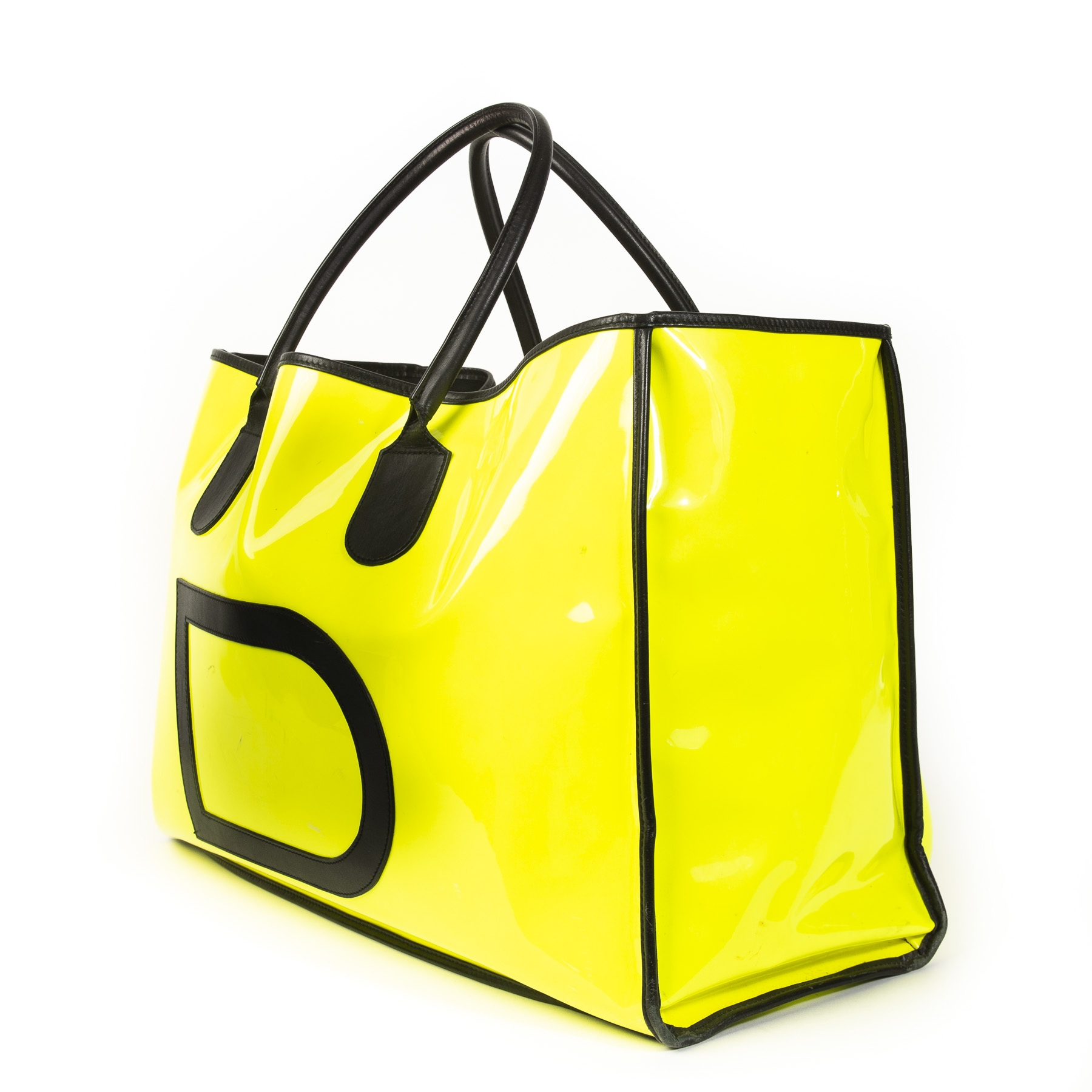 Authentieke tweedehands vintage Delvaux Taxi Vernis Neon Yellow Travel Bag bij online webshop LabelLOV
