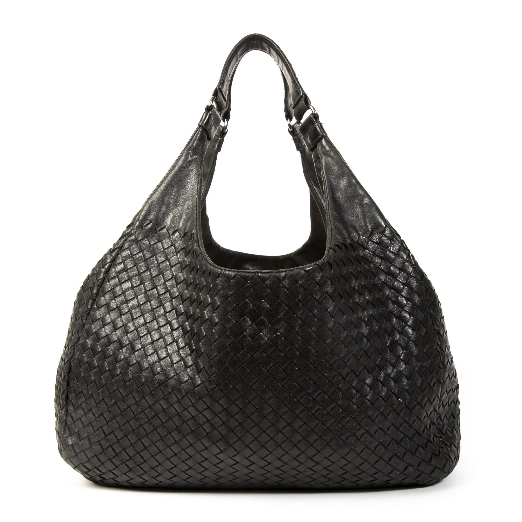 Authentieke Tweedehands Bottega Veneta Campana Shoulder Bag juiste prijs veilig online shoppen luxe merken webshop mode fashion winkelen Antwerpen België