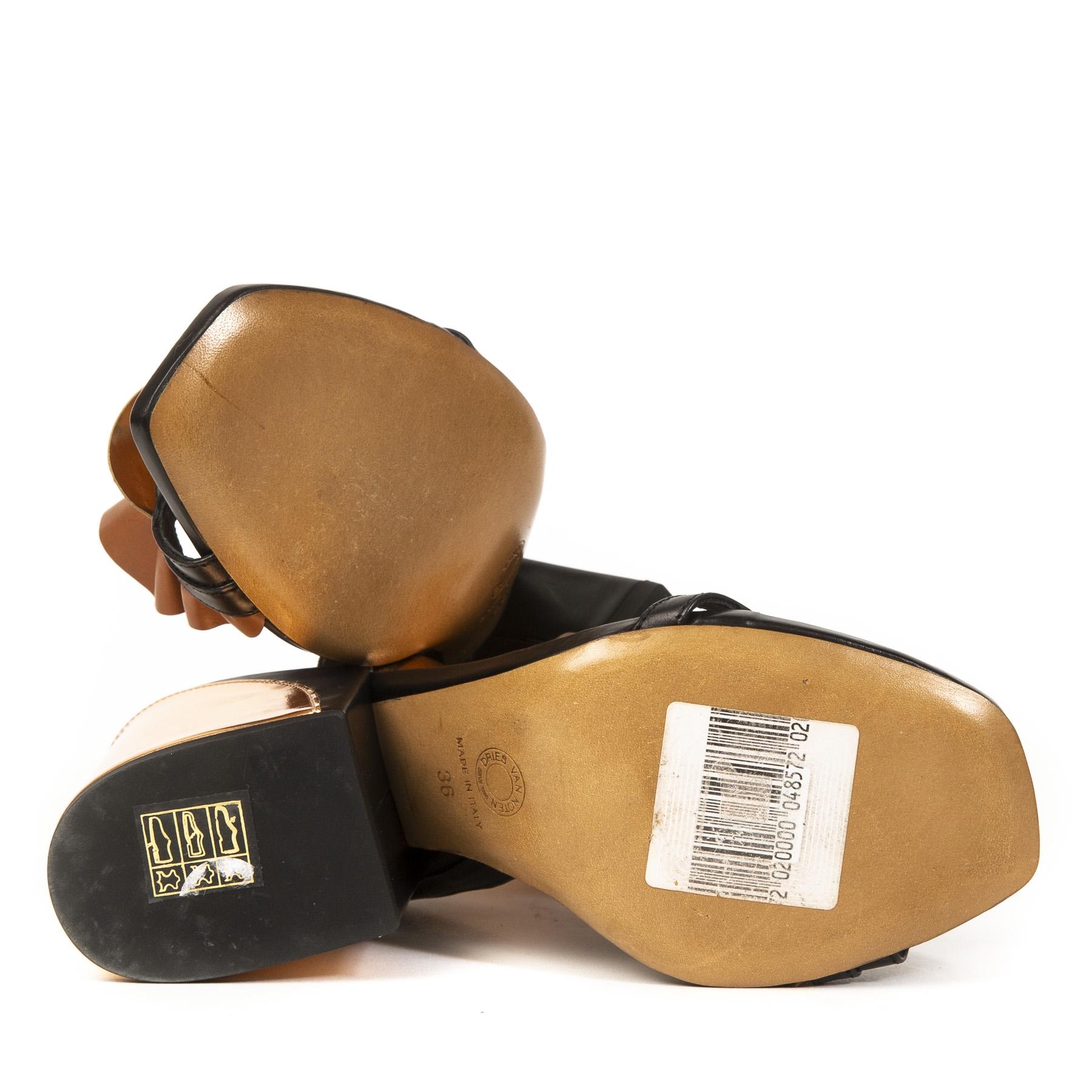 Authentieke tweedehands vintage Dries Van Noten Suede Ruffled Block Heels - Size 36 koop online webshop LabelLOV
