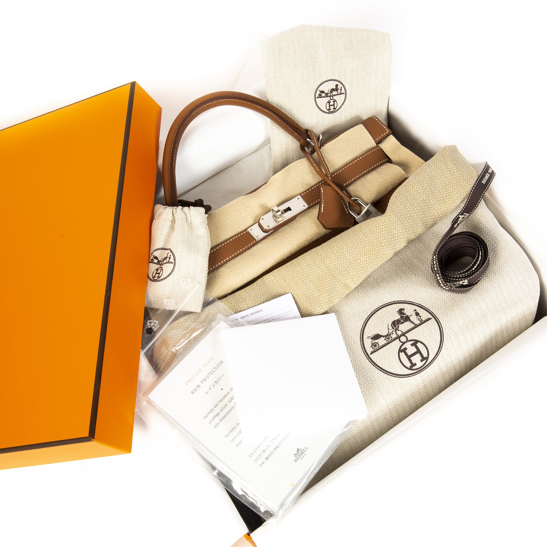 brand new and store fresh designer Hermes bag available online at Labellov