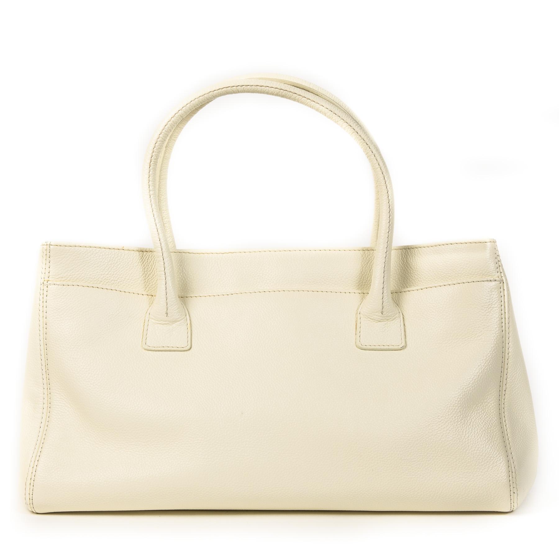 Authentieke Tweedehands Chanel Cream Leather Top Handle Bag juiste prijs veilig online shoppen luxe merken webshop winkelen Antwerpen België mode fashion
