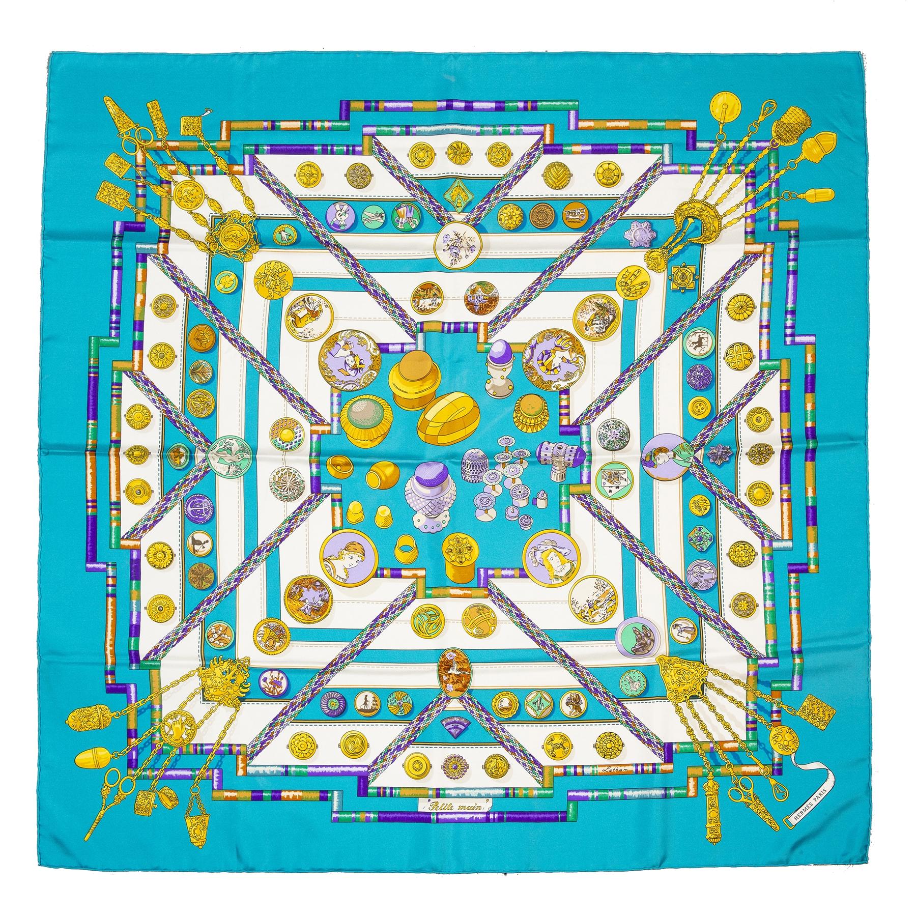 Authentieke tweedehands Hermès turquoise gold chains silk scarf juiste prijs veilig online winkelen LabelLOV webshop luxe merken winkelen Antwerpen België mode fashion