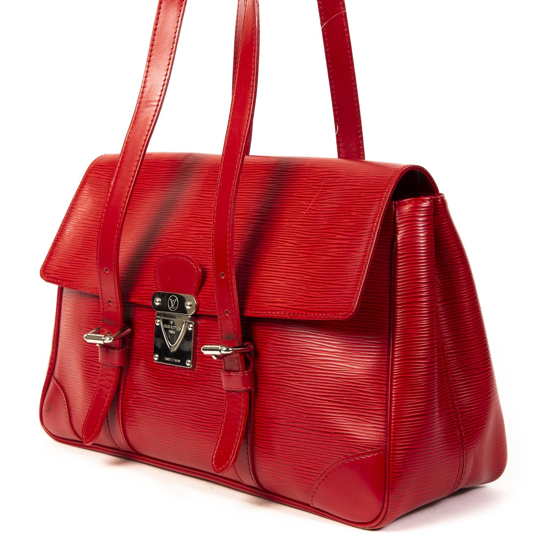 Louis Vuitton Castillion Red Epi Leather Segur Shoulder Bag kopen en verkopen aan de beste prijs