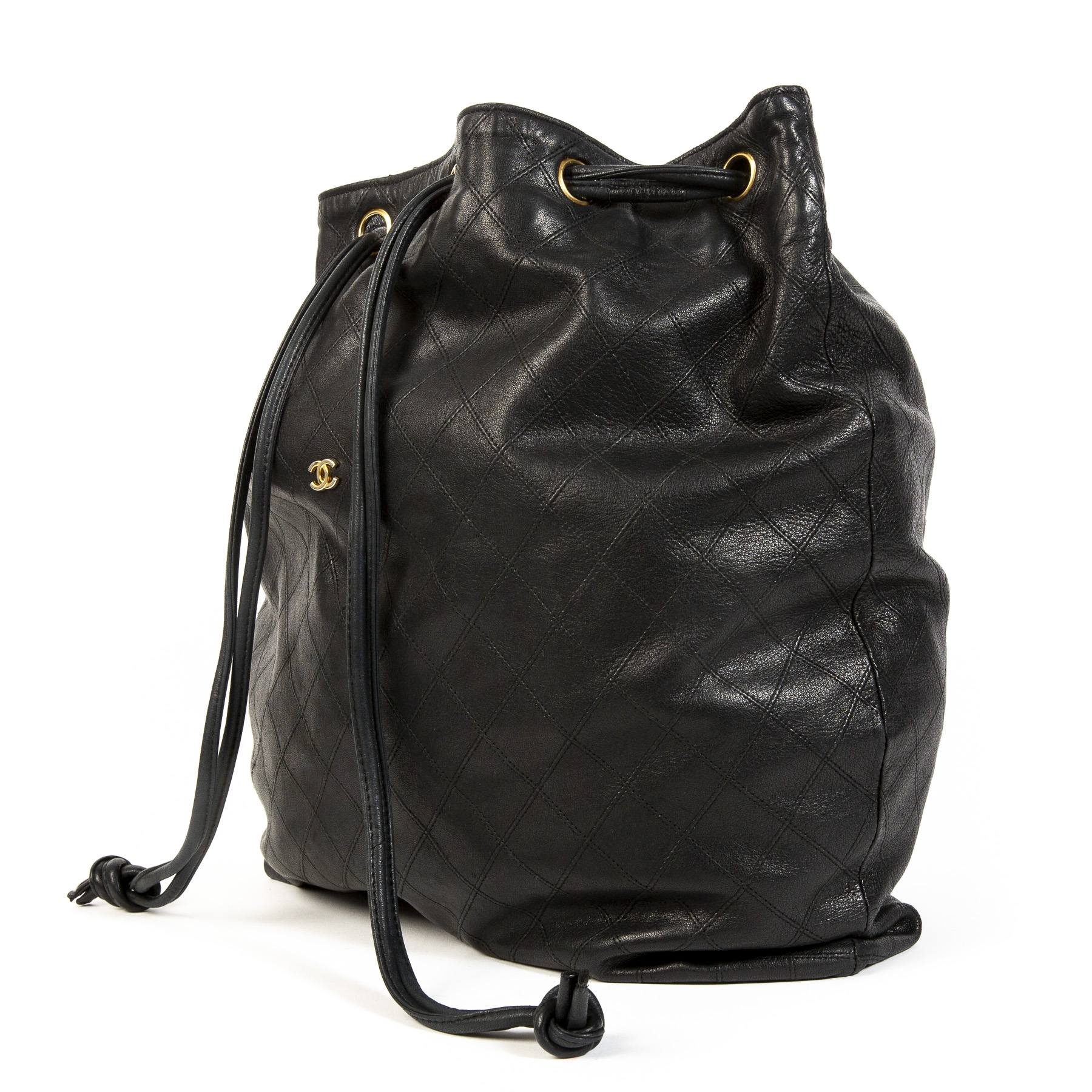 c75af407d978 Chanel Black Vintage Lambskin Bucket Bag Buy secondhand Chanel handbags at  Labellov.