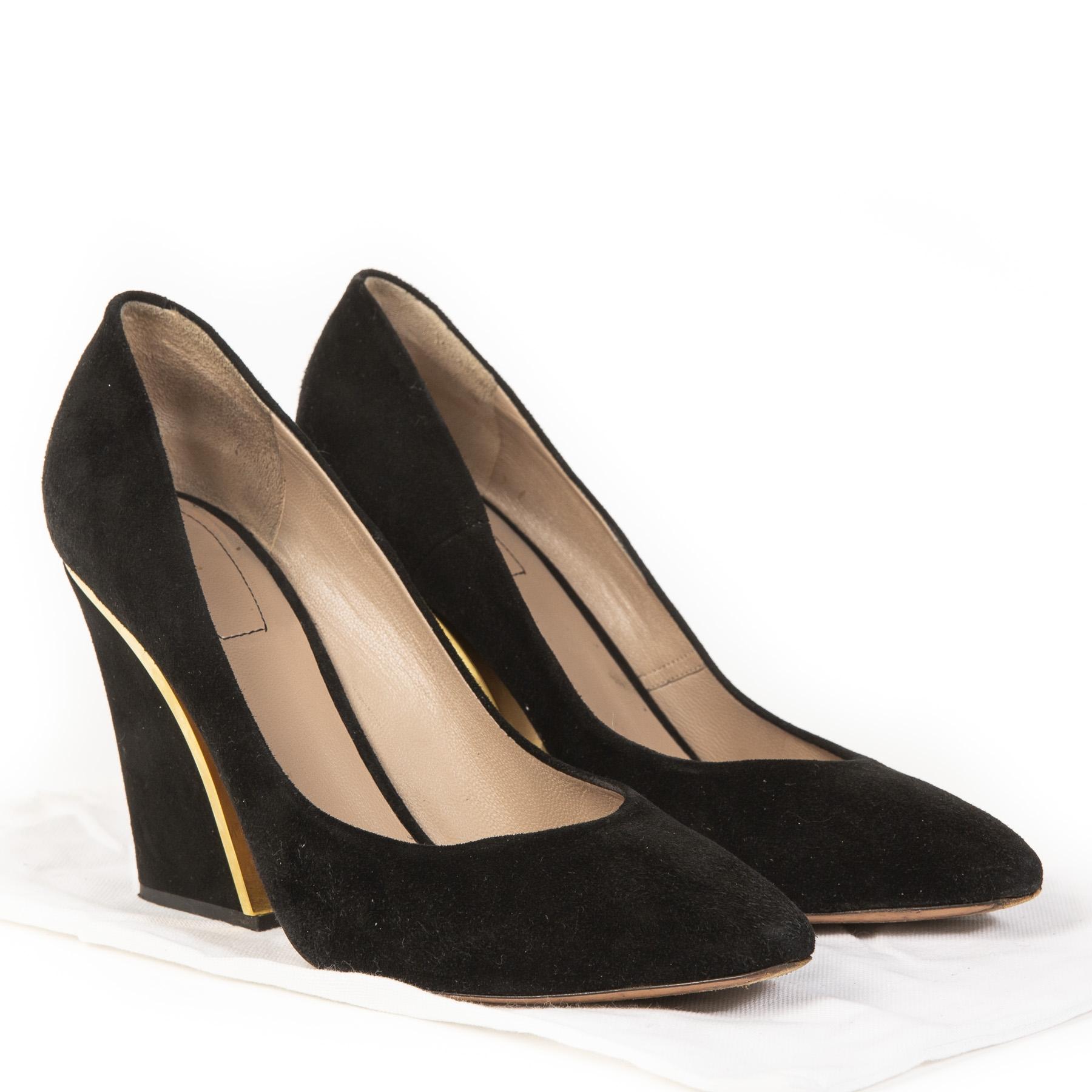Authentieke Tweedehands Chloé Black Suede Gold-trimmed Pumps juiste prijs veilig online shoppen luxe merken webshop winkelen Antwerpen België mode fashion