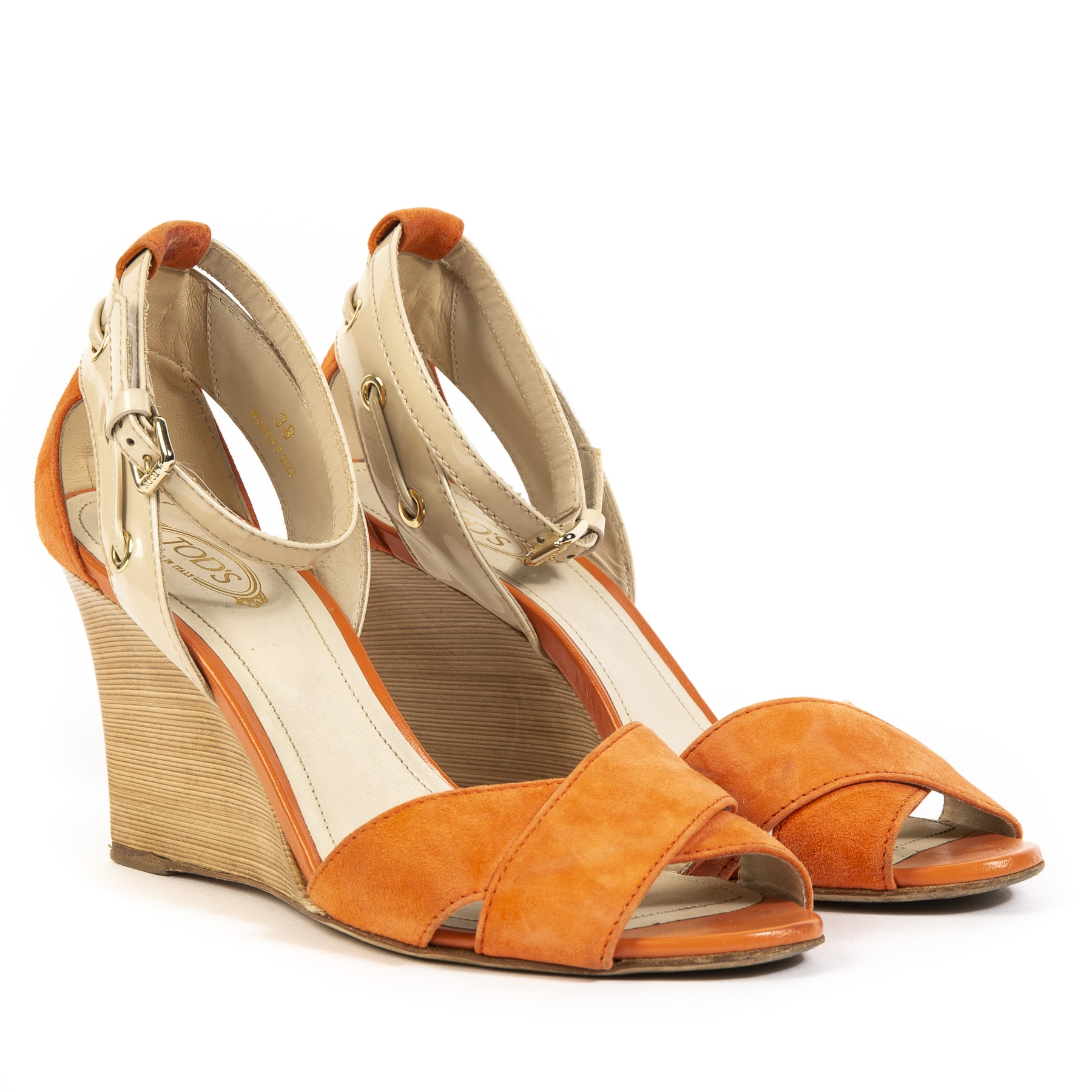 Buy authentic secondhand Tods wedges at labellov webshop antwerp.