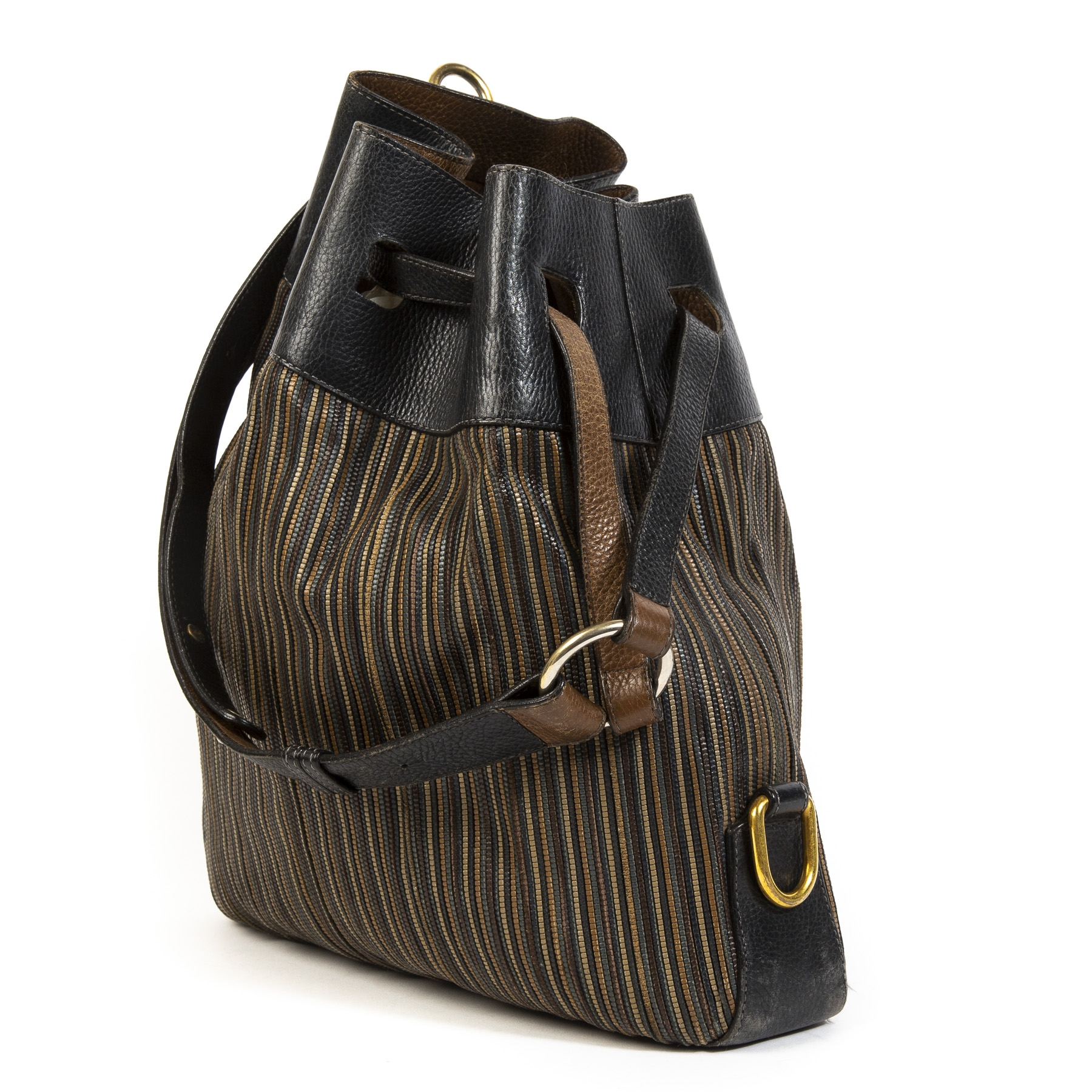 0a8b8e2f57327d Buy authentic secondhand Delvaux bags at the right price at LabelLOV  vintage webshop. Safe and secure online shopping.