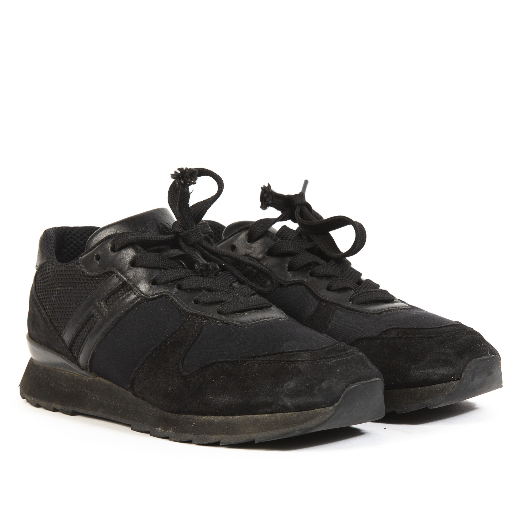 Buy authentic second hand Hogan Sneakers at online webshop LabelLOV.