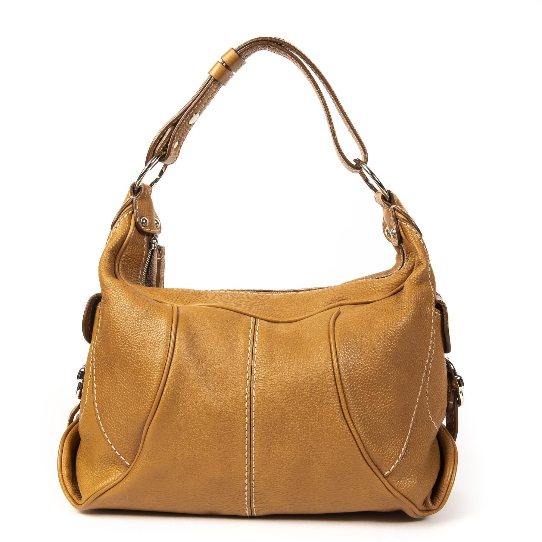 Authentieke Tweedehands Tods Camel Shoulder Bag juiste prijs veilig online shoppen luxe merken webshop winkelen Antwerpen België mode fashion