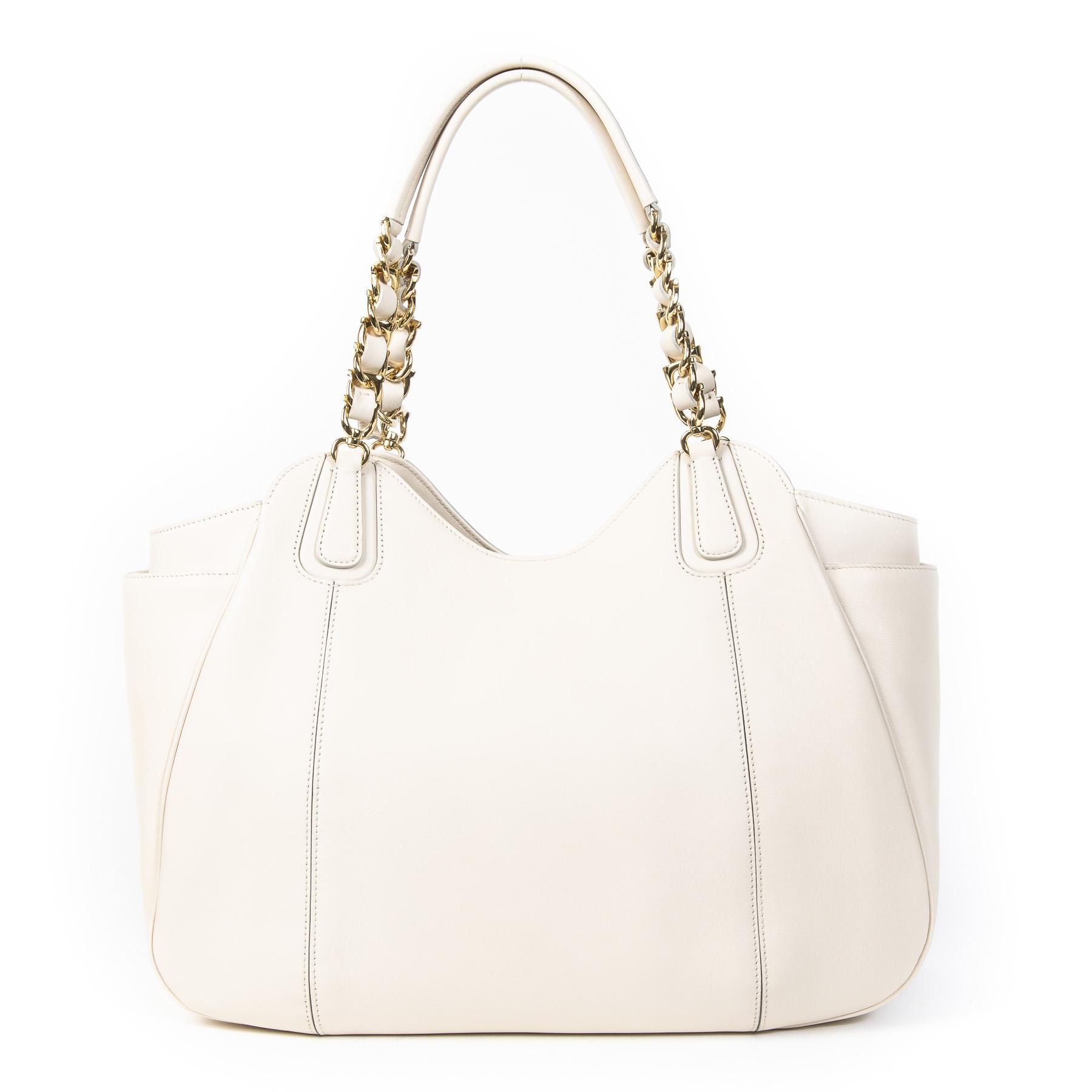 Authentieke Tweedehands Salvatore Ferragamo White Chain Tote Bag juiste prijs veilig online shoppen luxe merken webshop winkelen Antwerpen België mode fashion