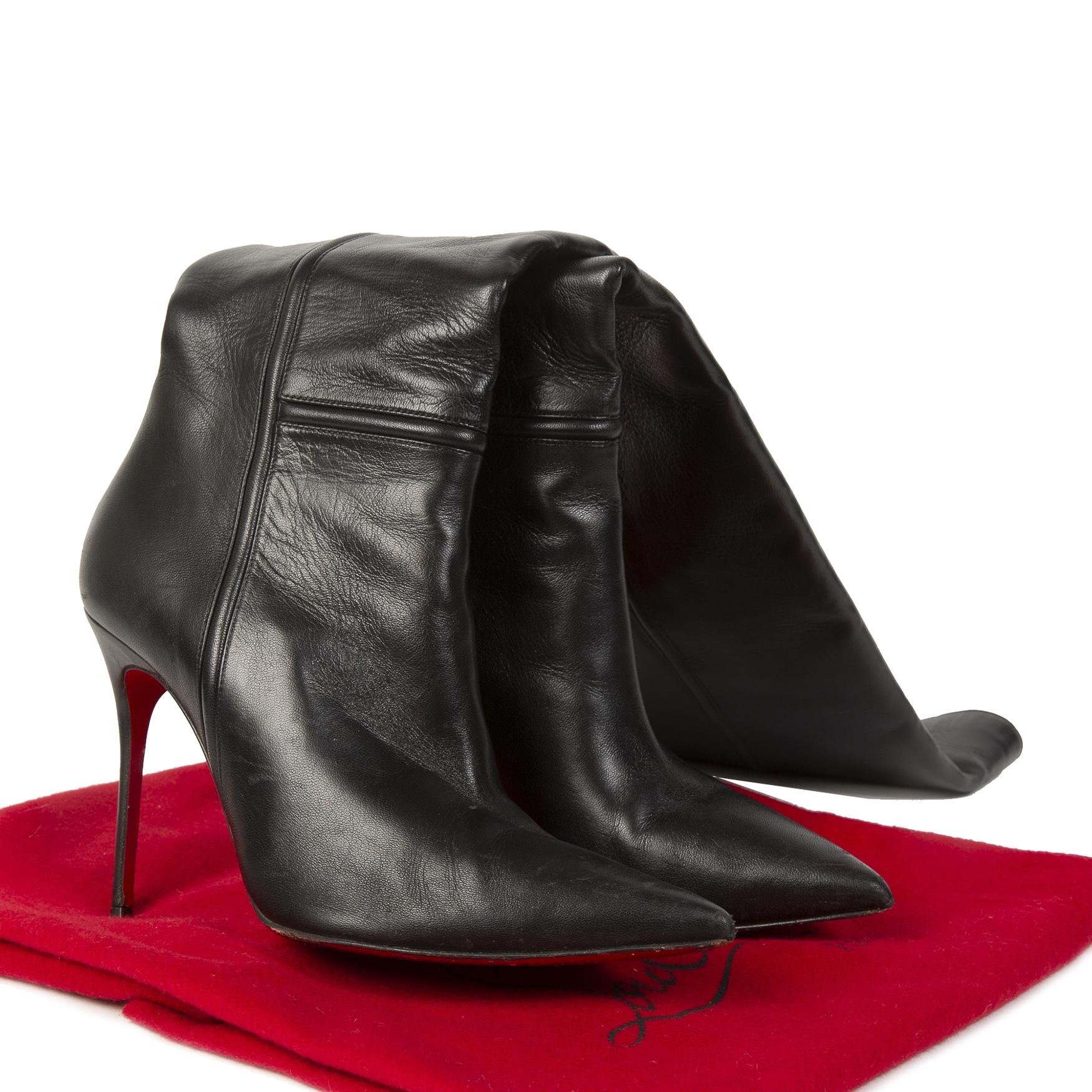 Christian Louboutin So Kate Black Leather Boots aan de beste prijs bij Labellov tweedehands