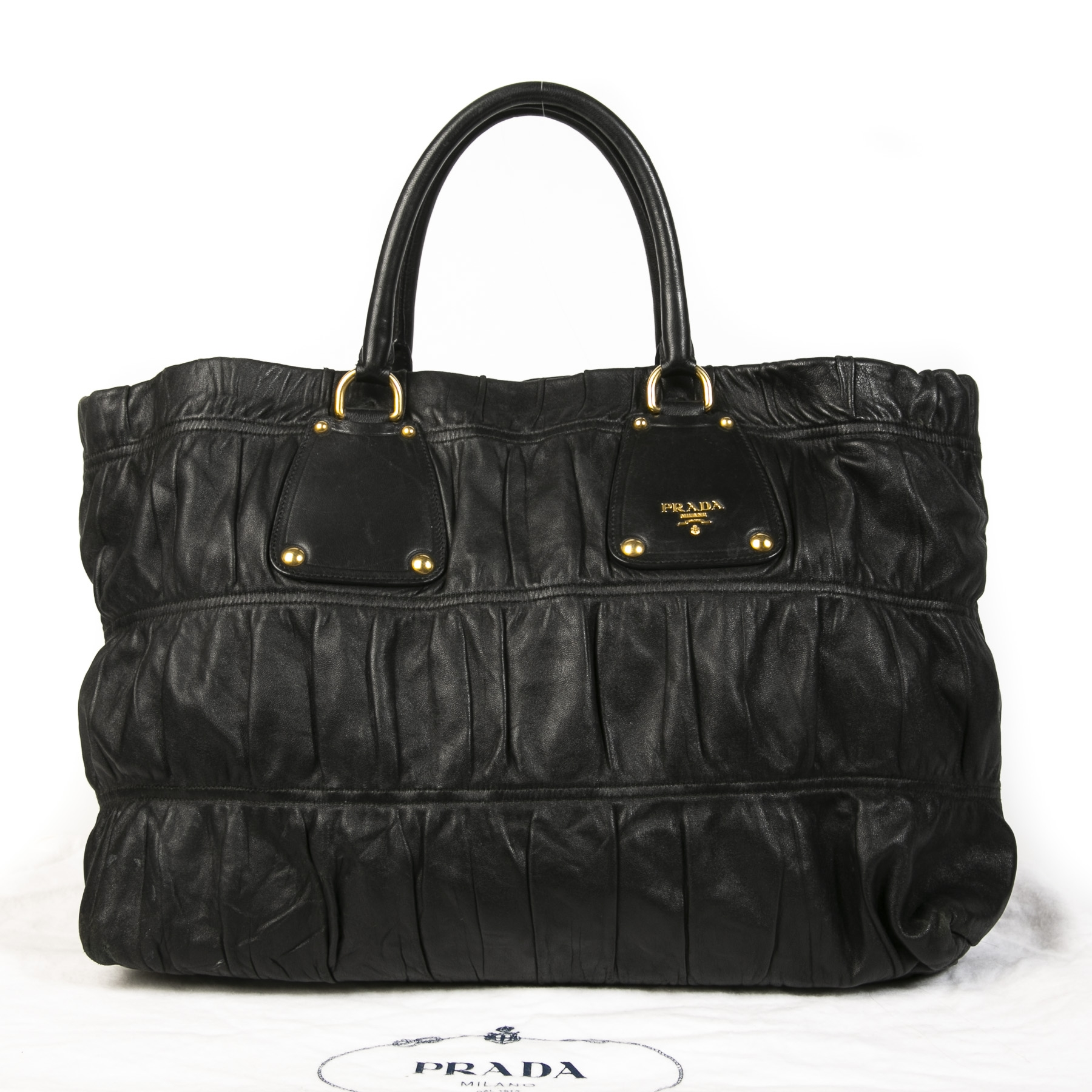 Buy your authentic Prada Black Matelassé Shoulder Bag for the best price at Labellov secondhand luxury