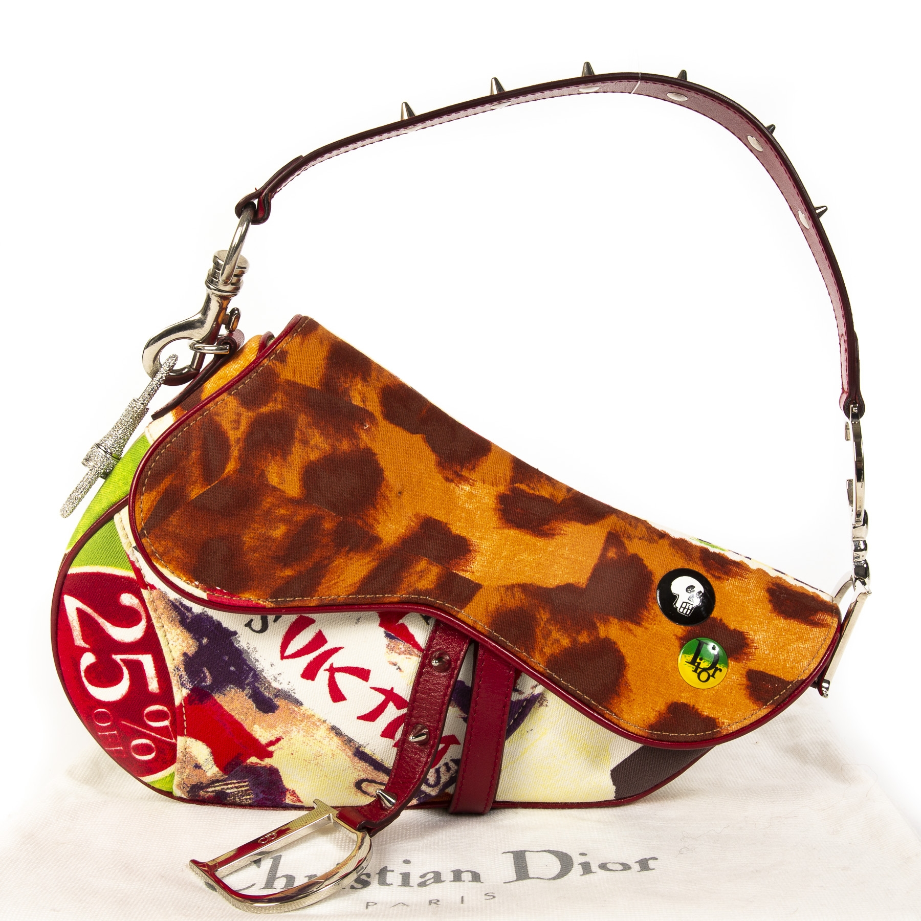 acheter en ligne seconde main Christian Dior Limited Edition Multicolor Victim Saddle Bag . koop veilig online tegen de beste prijs Christian Dior Limited Edition Multicolor Victim Saddle Bag. shop safe online Christian Dior Limited Edition Multicolor.
