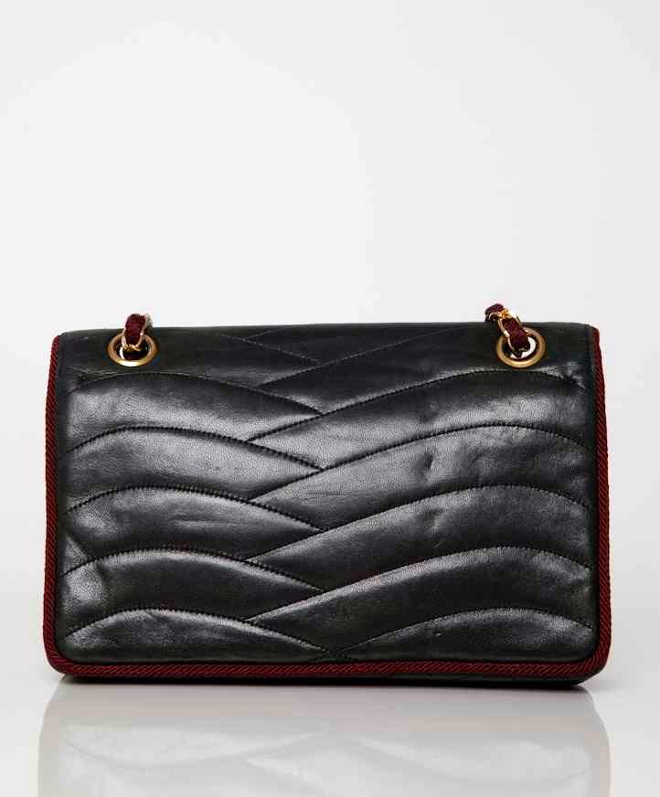 330ead968e9c Labellov Buy safe Delvaux designer vintage online. Vind tweedehands ...