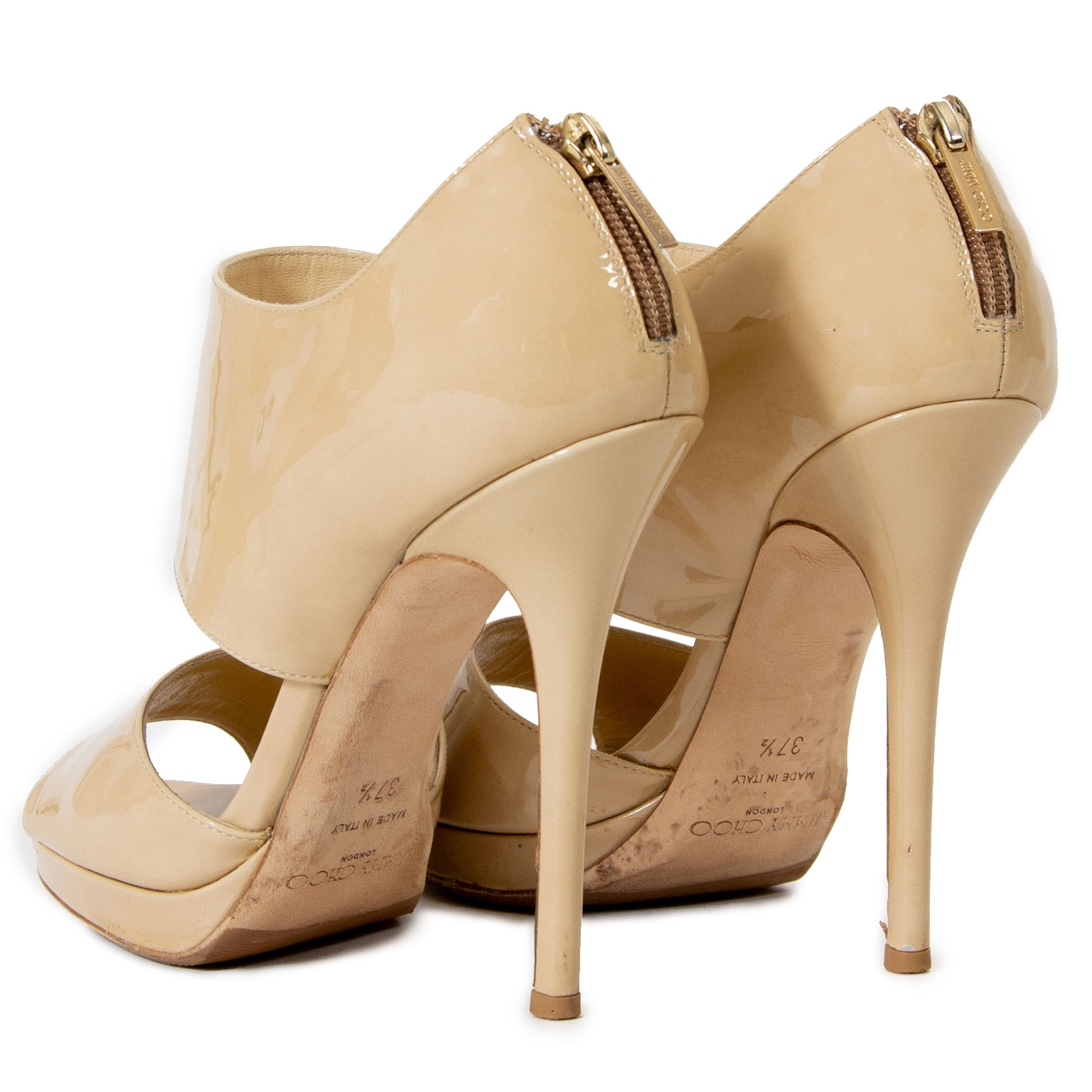 Are you looking for a unique pair of Jimmy Choo pumps? Shop safe and secure at Jimmy Choo Private Nude Patent Leather Sandals
