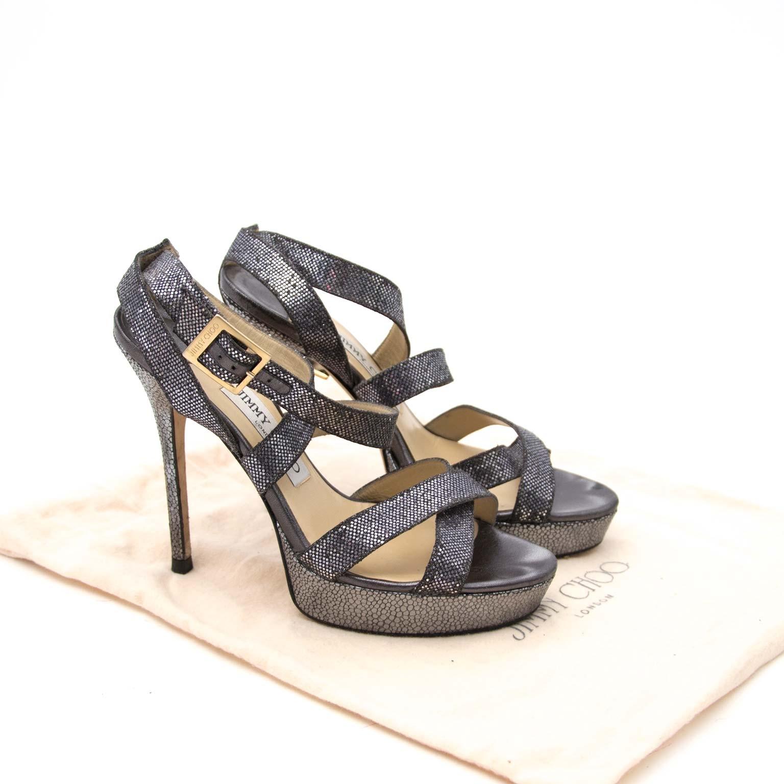 Jimmy Choo 'Vamp' Metallic Platform Heel Sandal - Size 37 Buy authentic designer Jimmy Choo secondhand shoes sandals at Labellov at the best price. Safe and secure shopping. Koop tweedehands authentieke Jimmy Choo schoenen bij designer webwinkel labellov