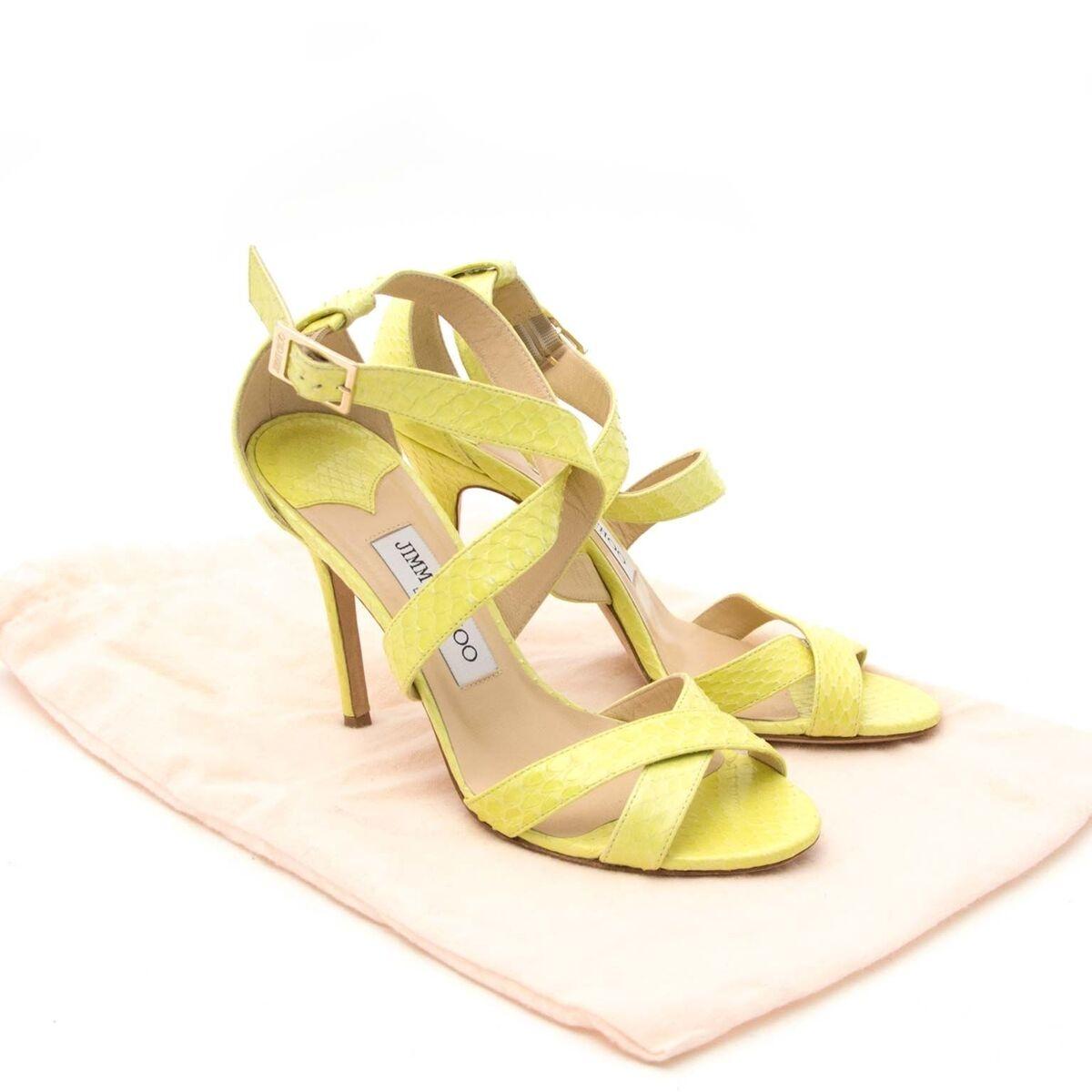 Compra zapatos Jimmy Choo muy en moda para el precio correcto en LabelLOV.