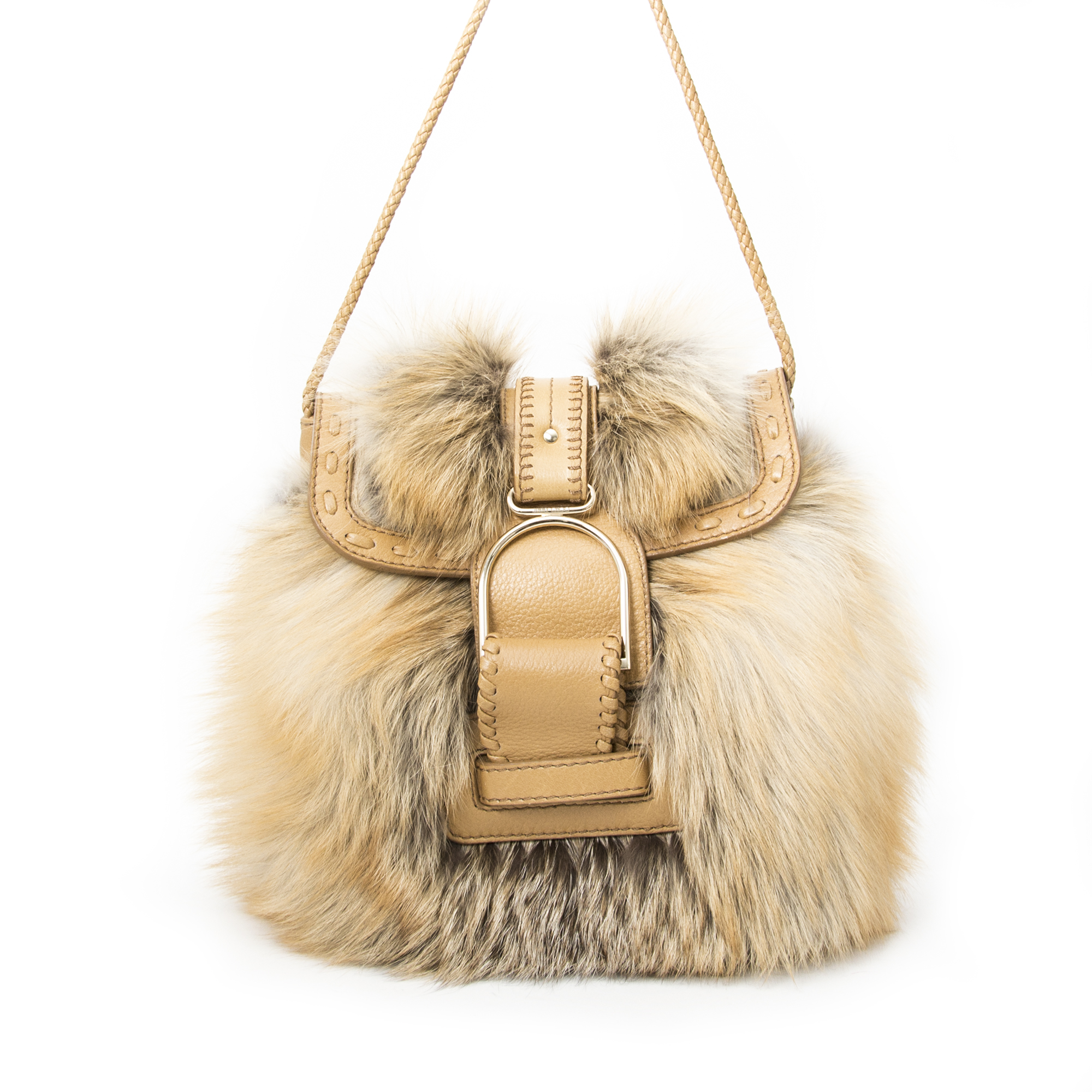 Vintage Jimmy Choo Leah Fox Fur Bag for the best price at Labellov webshop. Safe and secure online shopping with 100% authenticity. Vintage Jimmy Choo Leah Fox Fur Bag pour le meilleur prix.