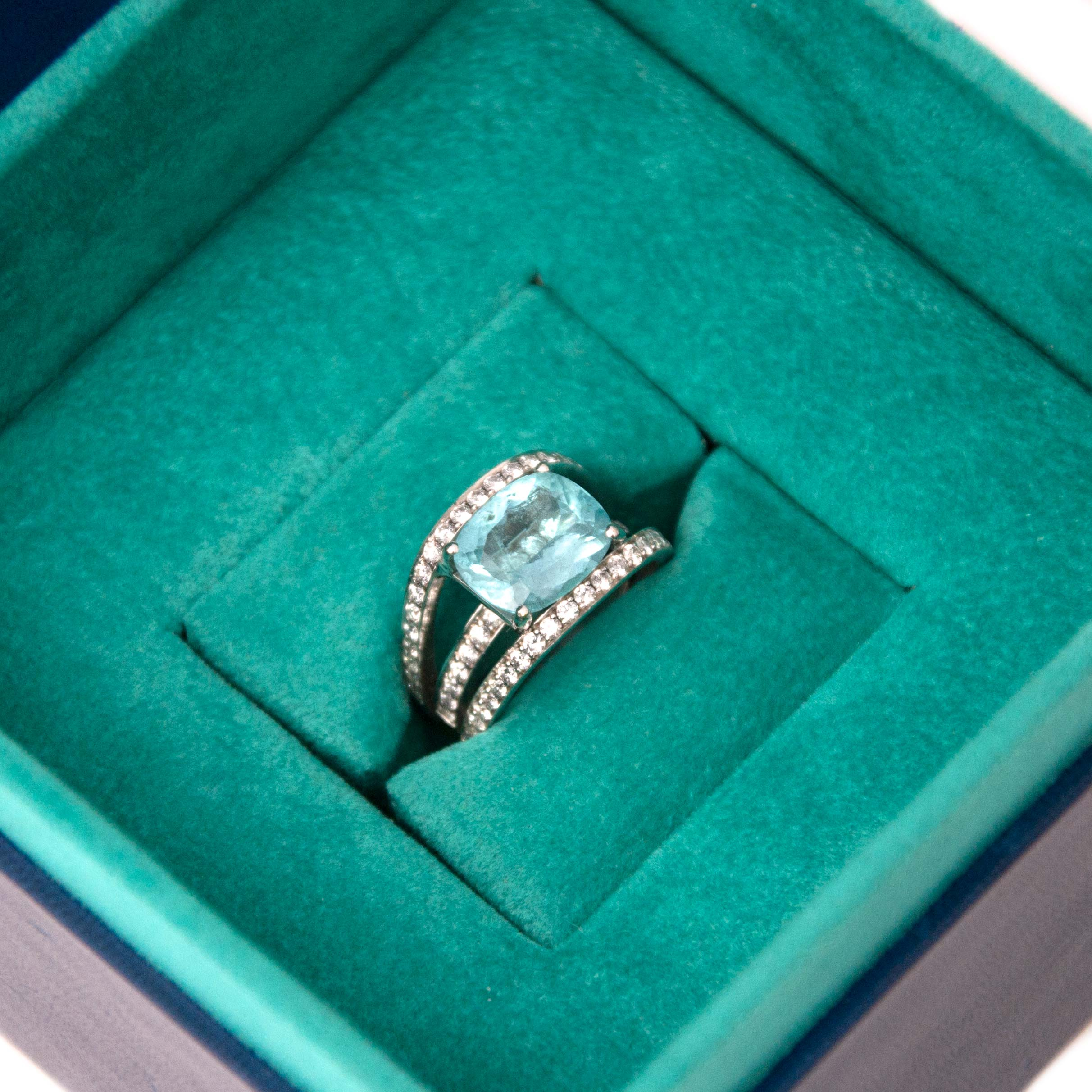 Buy and sell your authentic White Gold Paraiba Tourmaline and Diamonds Ring online