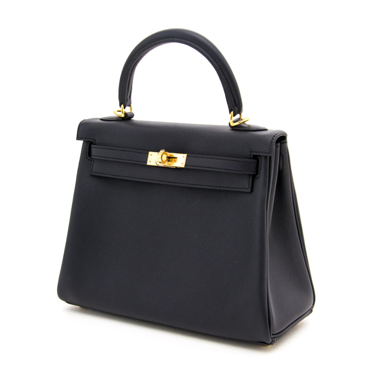 d9580e3b007 ... Buy authentic Hermès Kelly 25cm Swift Blue Indigo GHW at LabelLOV  vintage webshop. Luxe,