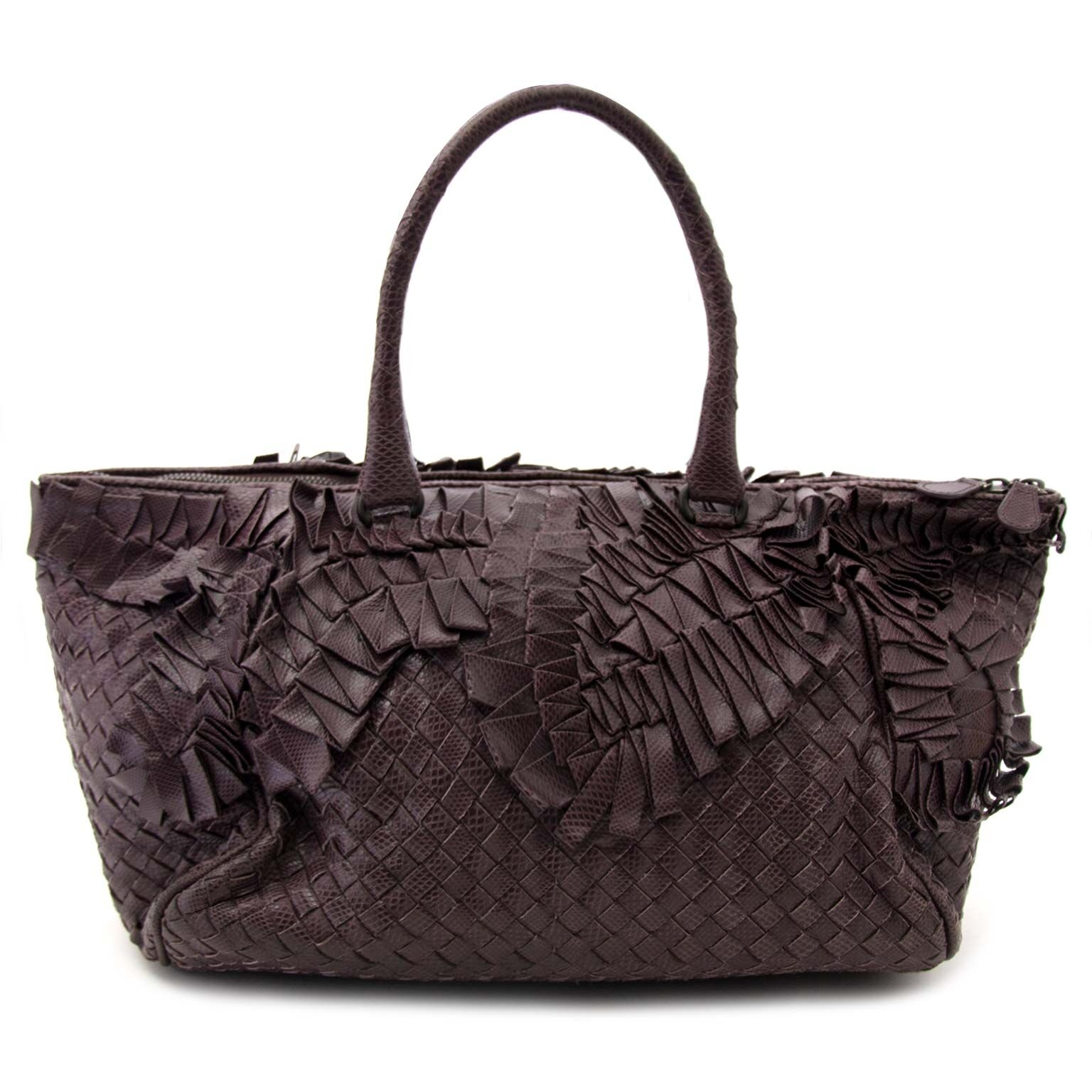 6305a85f6290 Labellov Buy authentic vintagePrada designer bags, shoes, clothes ...