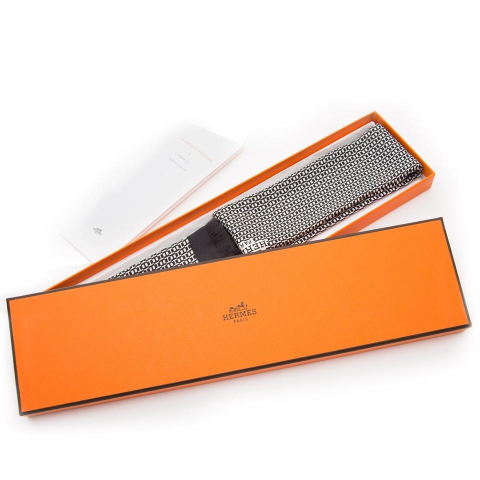 koop veilig online aan de beste prijs Hermès La Cravate-Foulard