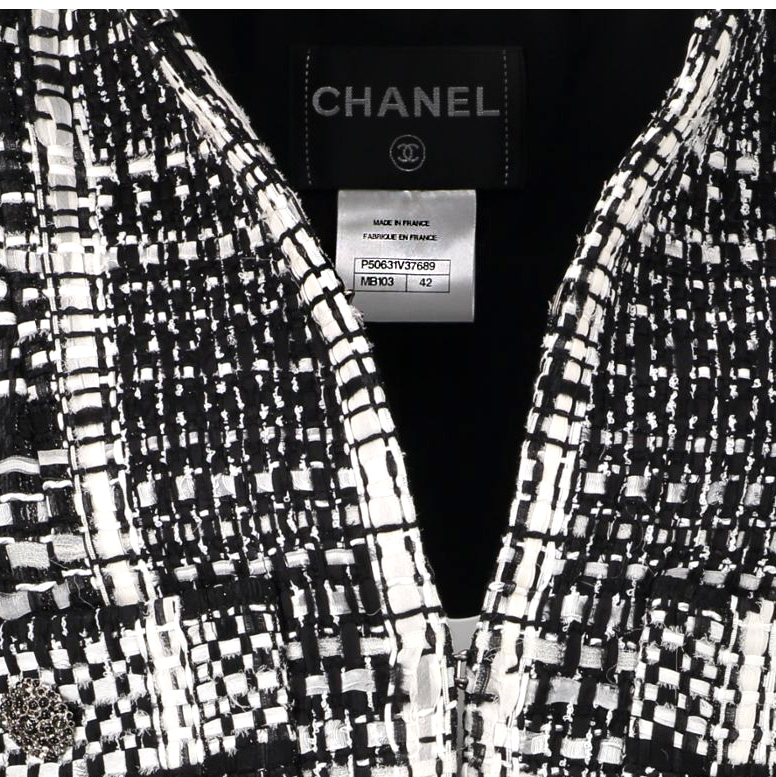 Chanel Black & White Checked Tweed Jacket - Size FR 42