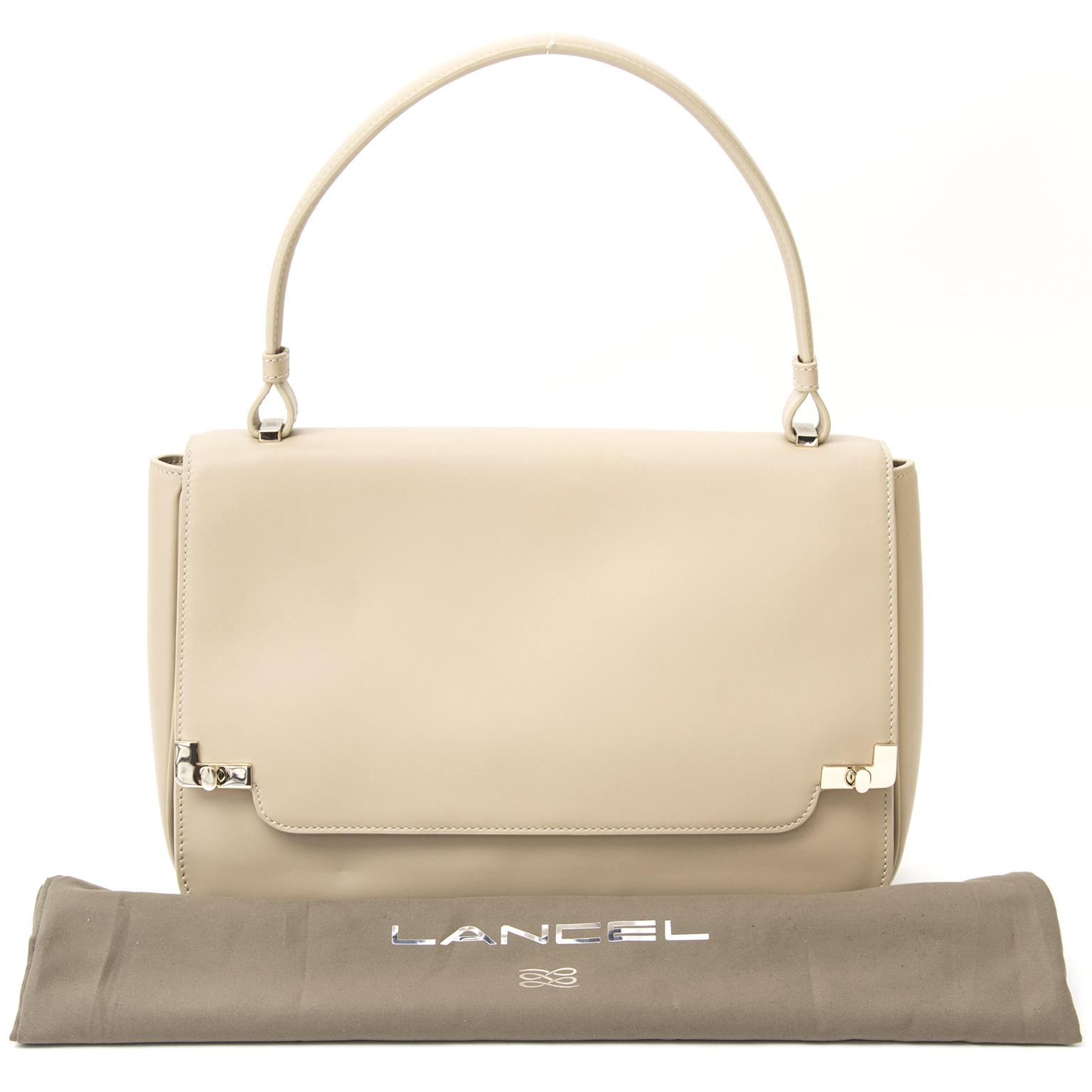 1001a7a2b6b Labellov Buy safe Delvaux designer vintage online. Vind tweedehands ...