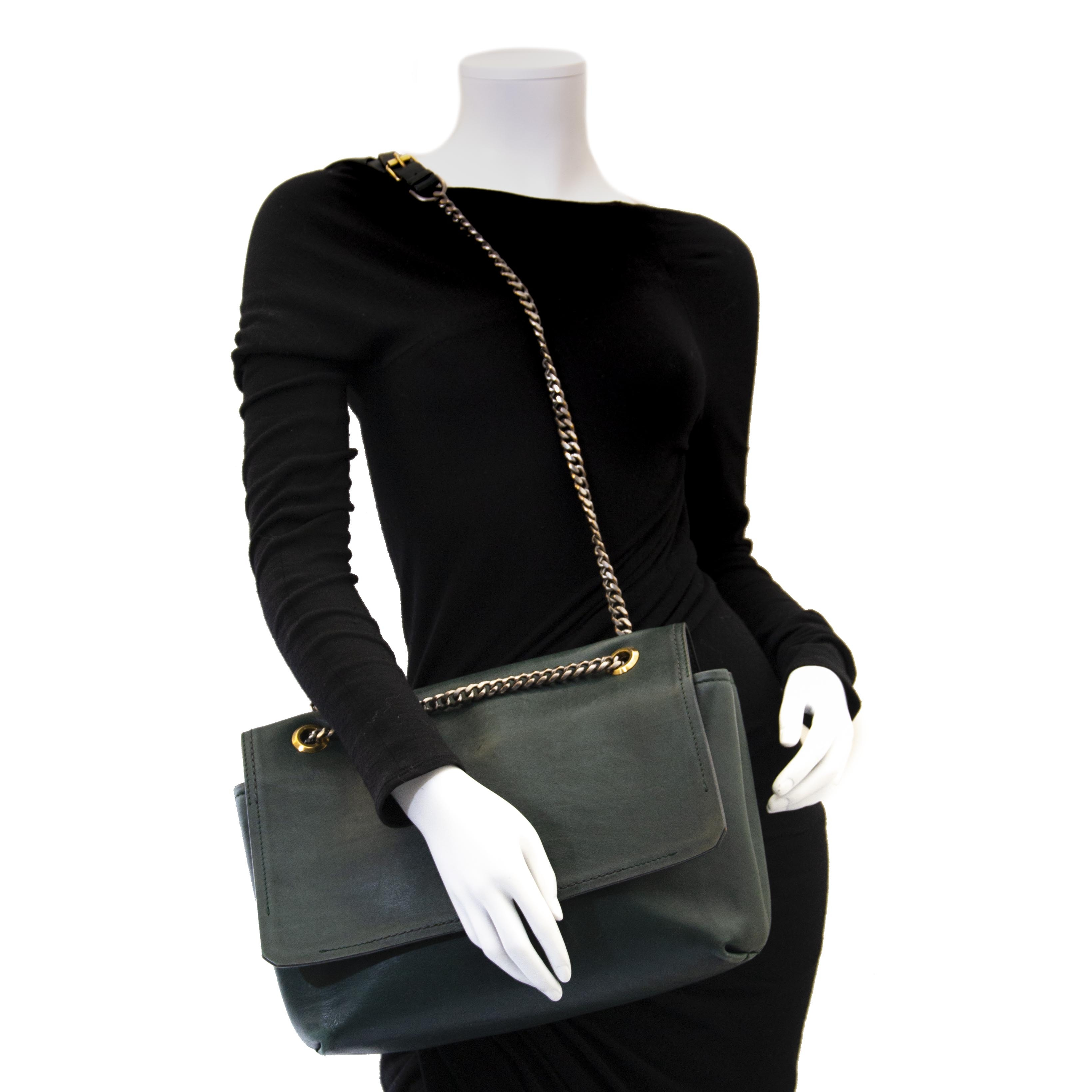 8563483d86b Labellov Just In ○ Buy and Sell Authentic Luxury