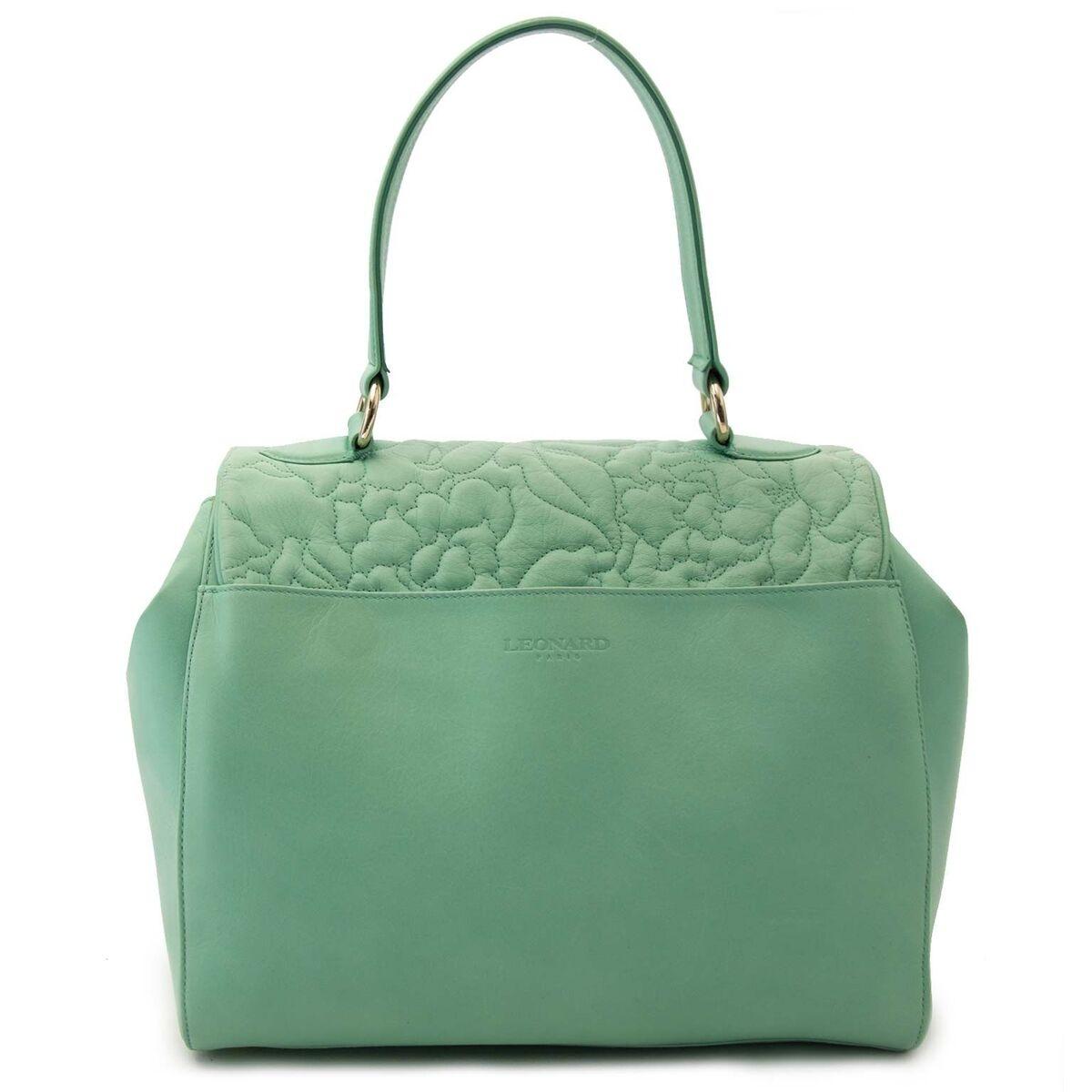Koop authentieke tweedehands Leonard tassen aan een eerlijke prijs bij LabelLOV. Veilig online shoppen.